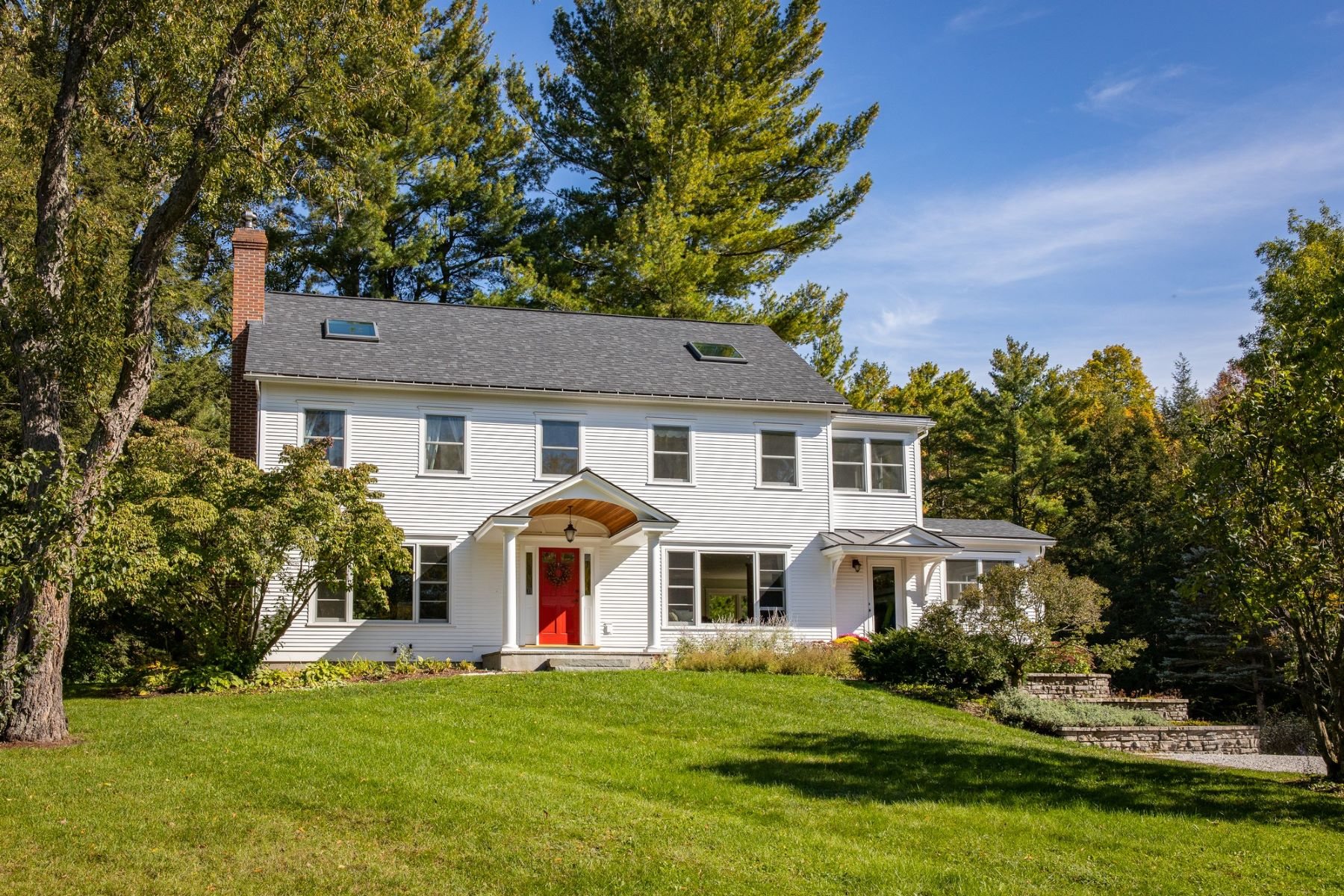 Single Family Homes for Sale at 163 Old Stage Lane, Shelburne 163 Old Stage Ln Shelburne, Vermont 05482 United States