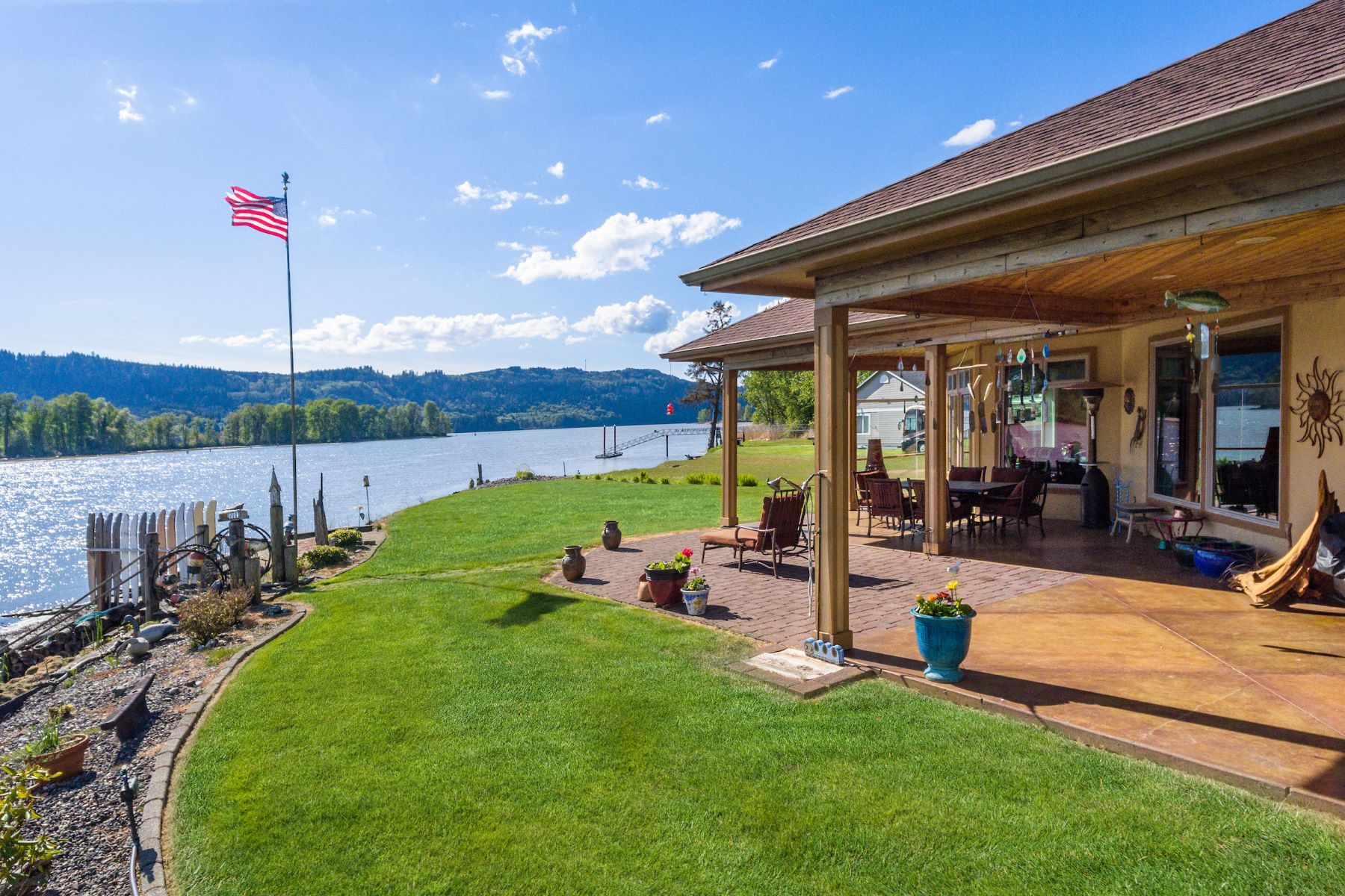 Single Family Homes for Sale at 217 W Sunny Sands , Cathlamet, WA 98612 217 W Sunny Sands Cathlamet, Washington 98612 United States