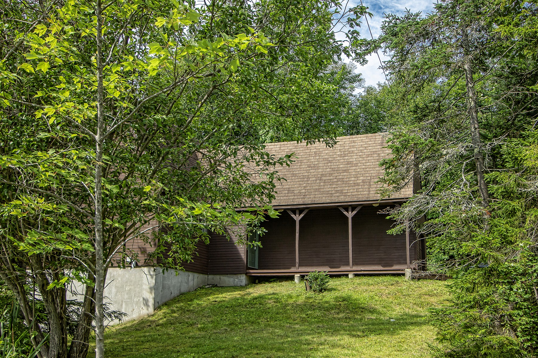 Single Family Homes for Sale at Ski On/Off Updated Chalet 5 Slopeside Road Dover, Vermont 05356 United States