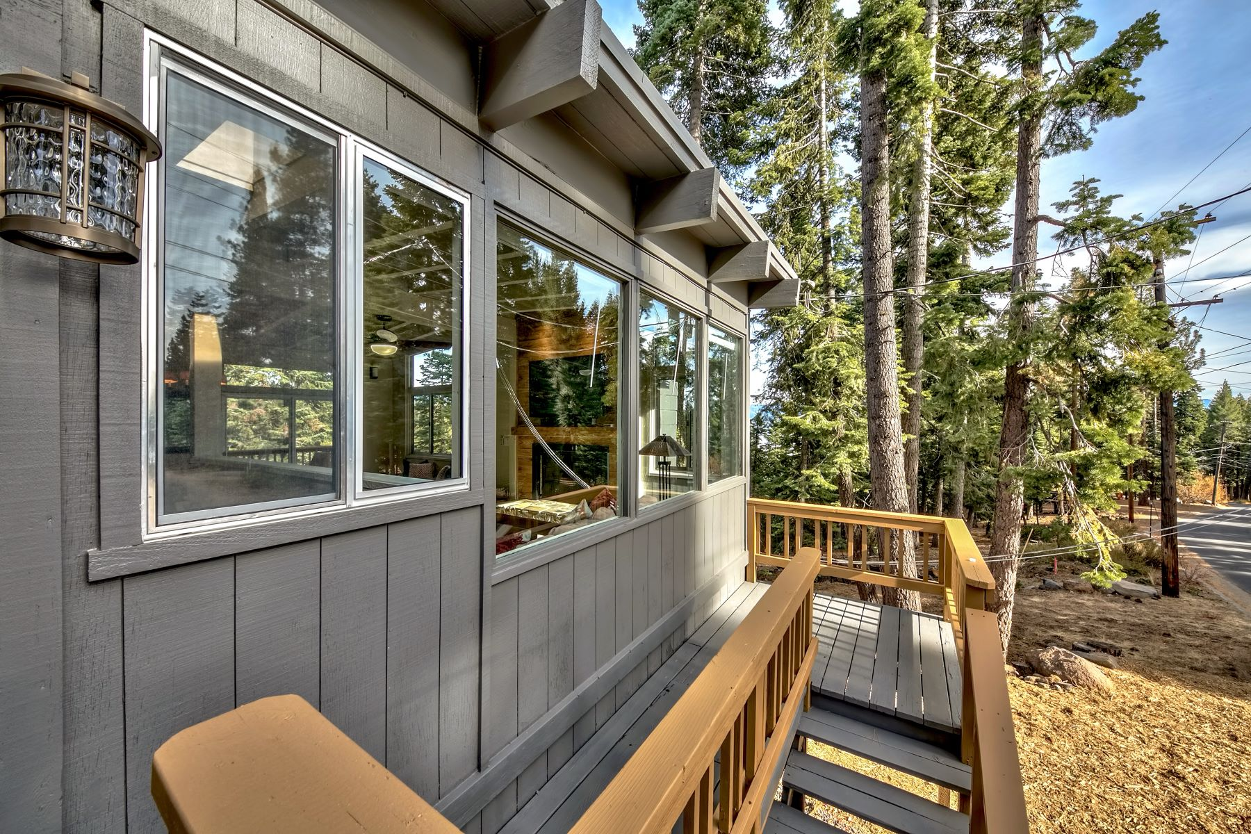 Additional photo for property listing at 618 North Ridge Drive, Carnelian Bay, CA 96140 618 North Ridge Drive Carnelian Bay, California 96140 United States