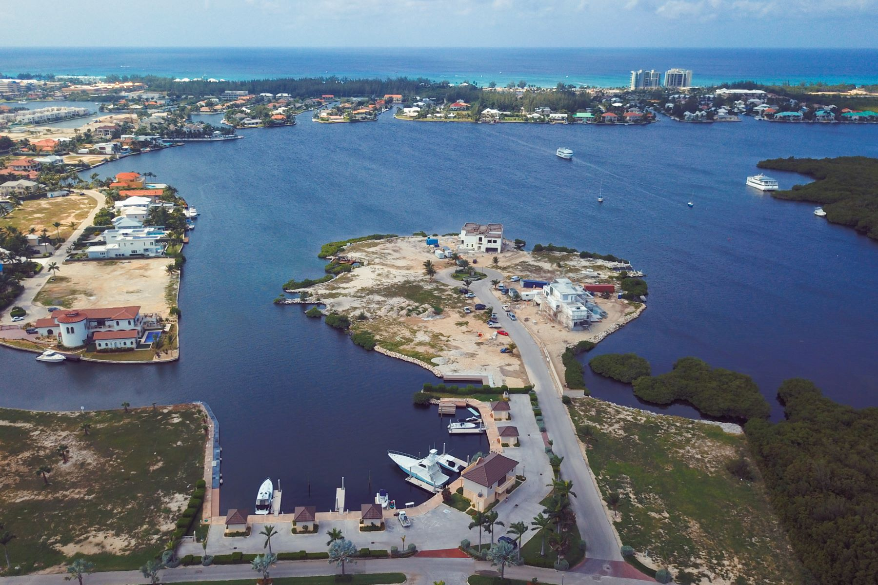 Additional photo for property listing at Lalique Pointe, Crystal Harbour Peninsula land lot Crystal Harbour,  Cayman Islands