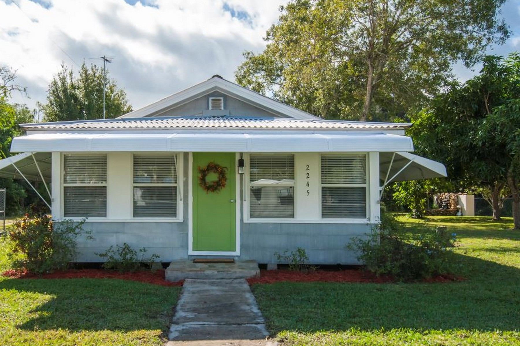 Single Family Home for Sale at Florida Cottage Home 2245 18th Street Vero Beach, Florida 32960 United States