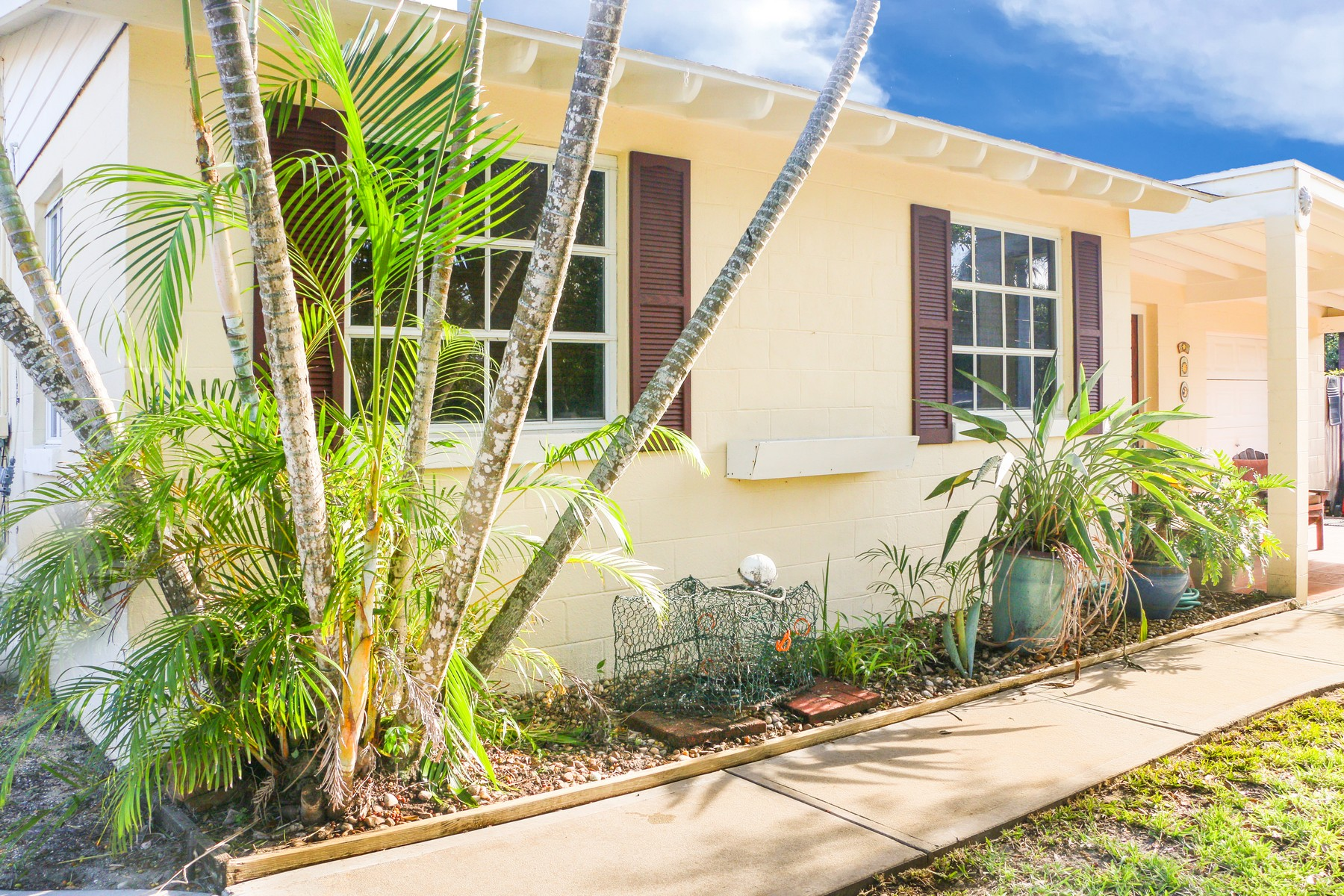 Single Family Home for Sale at Charming Home in Floridana Beach 129 Delespine Street Melbourne Beach, Florida 32951 United States