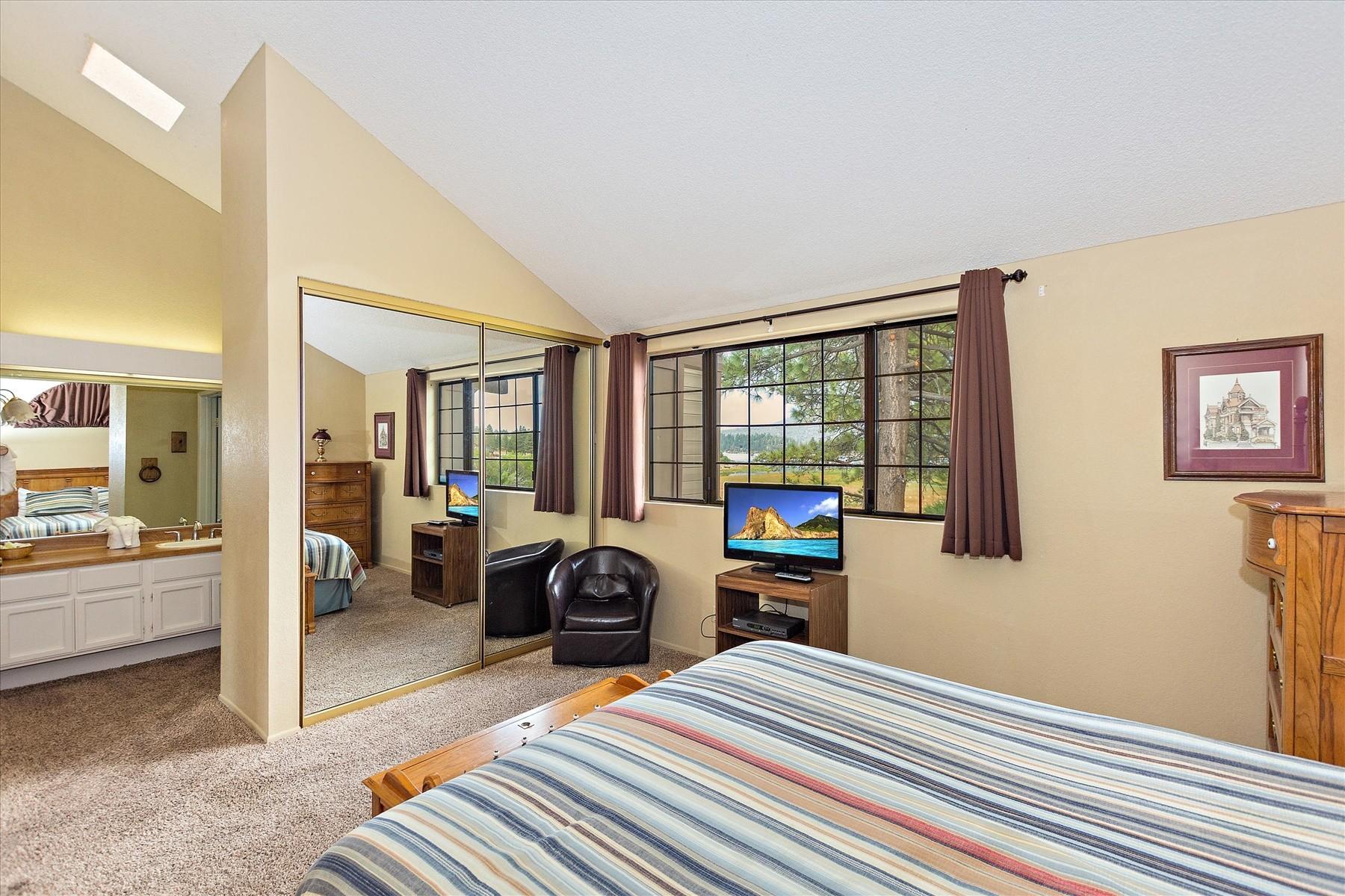 Additional photo for property listing at 675 Cienega Road #C Big Bear Lake, CA 92315 675 Cienega Road Unit #C, Big Bear Lake, Californie 92315 États-Unis