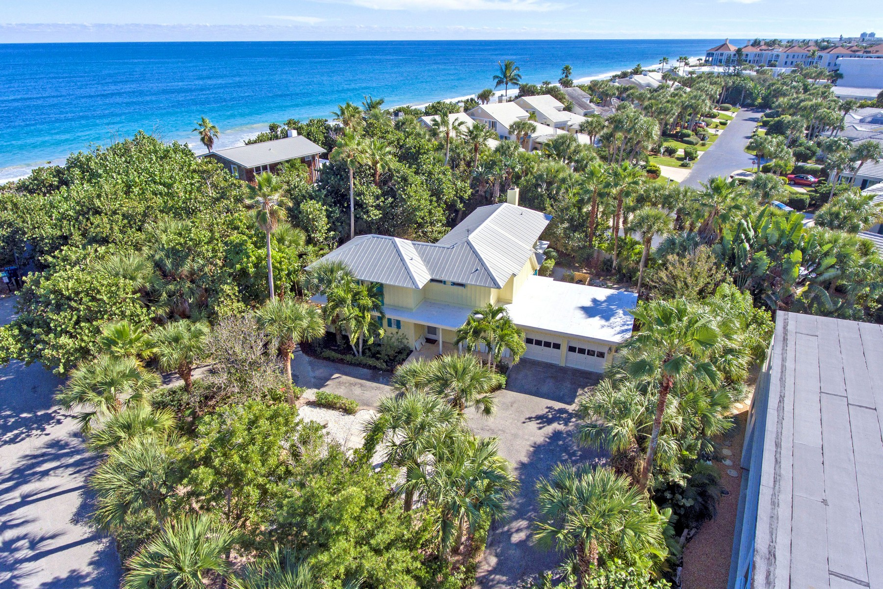 Single Family Homes for Sale at Beach House 975 Beachcomber Lane Vero Beach, Florida 32963 United States