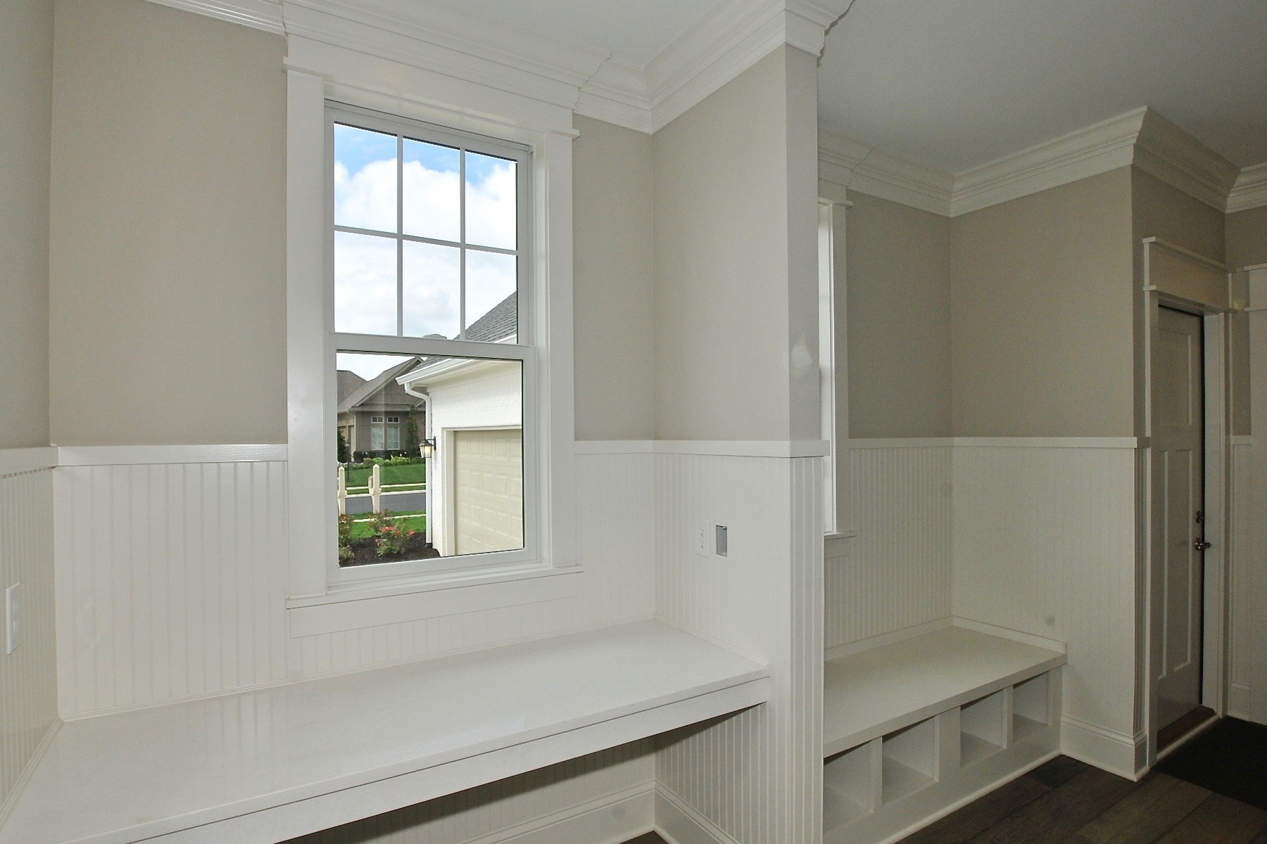 Additional photo for property listing at Top of the Line Finishes 9915 S. Towne Lane Carmel, Индиана 46033 Соединенные Штаты