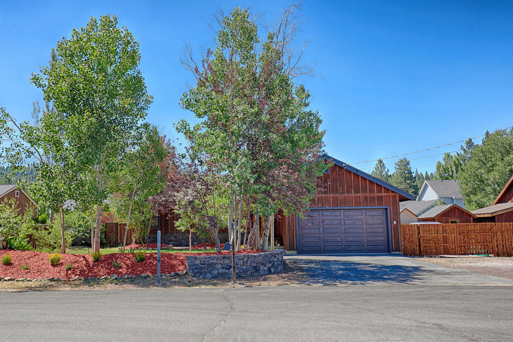 Additional photo for property listing at 16155 Canterbury Lane, Truckee, CA 96161 16155 Canterbury Lane Truckee, California 96161 United States