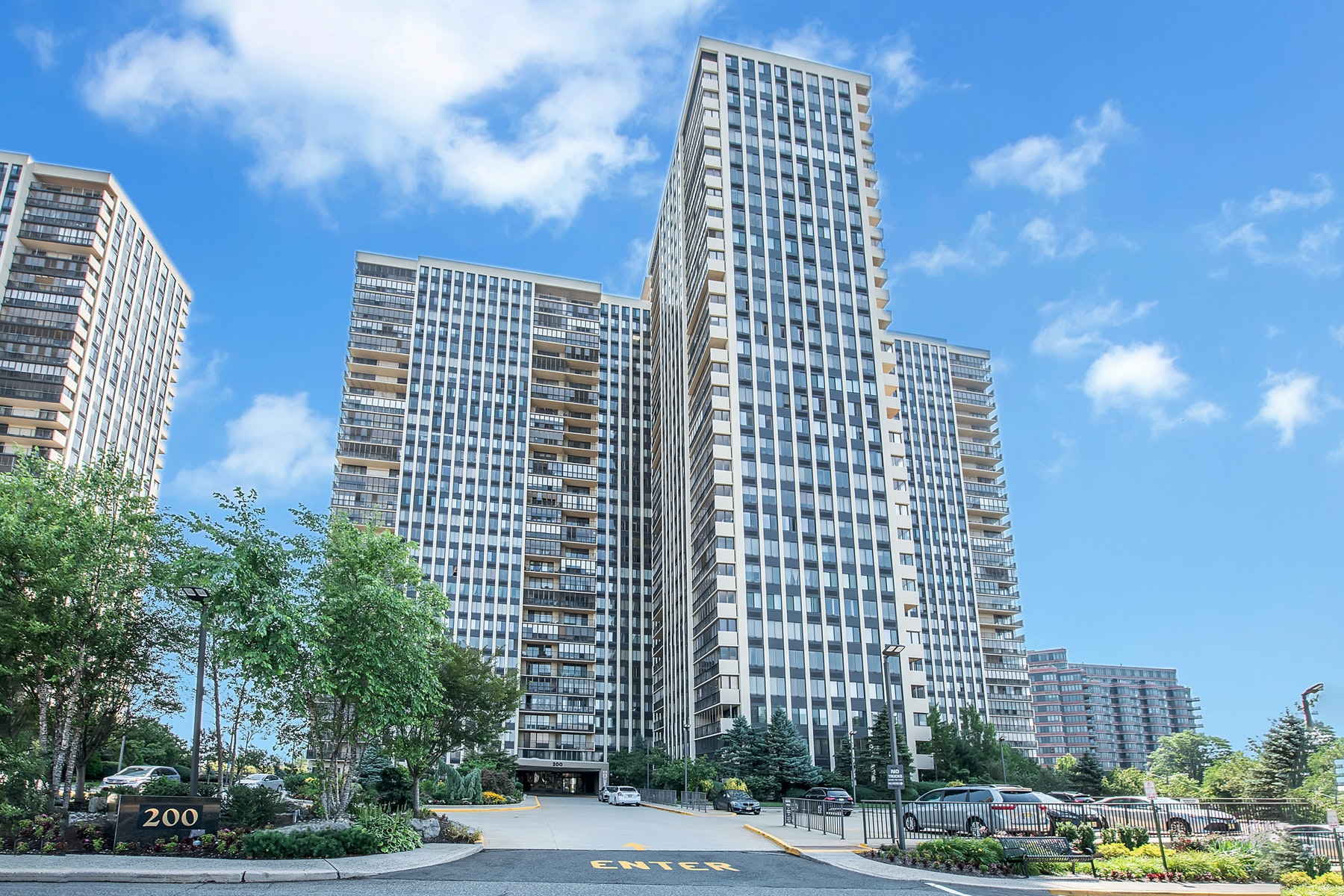 Condominiums for Active at Winston Towers 200 Winston Drive 2103 Cliffside Park, New Jersey 07010 United States