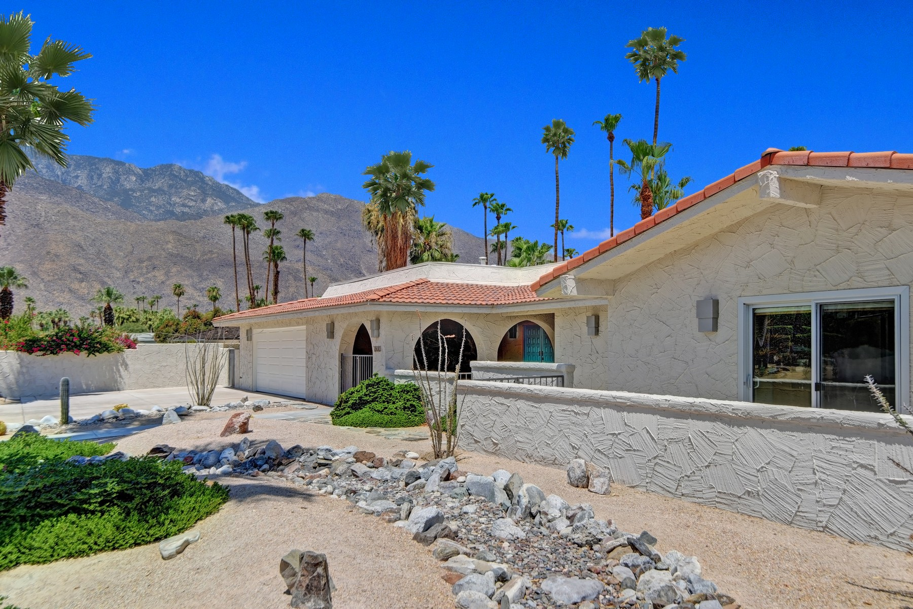 Single Family Home for Sale at 1600 E. Maricopa 1600 E. Maricopa Dr Palm Springs, California 92264 United States