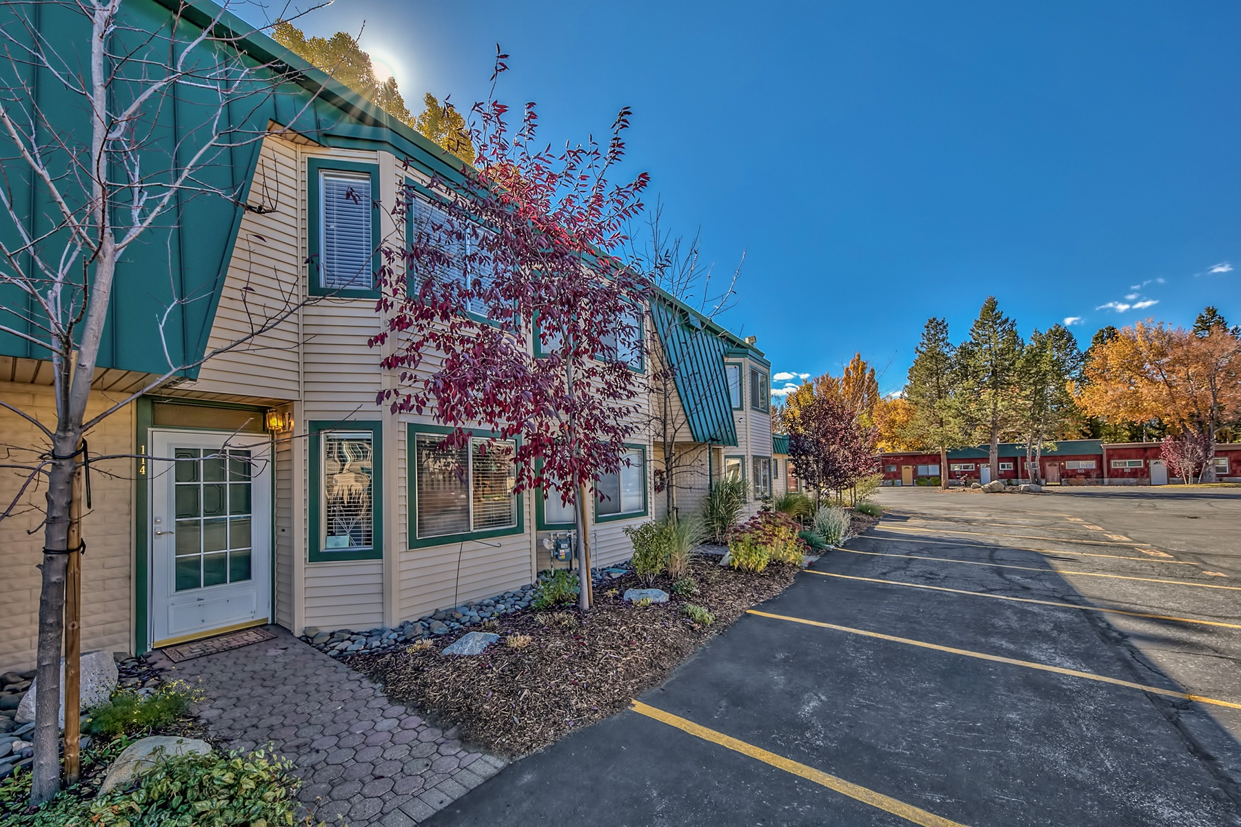Additional photo for property listing at 439 Ala wai Blvd #114, South Lake Tahoe, Ca 96150 439 Ala Wai Blvd #114 South Lake Tahoe, California 96150 United States
