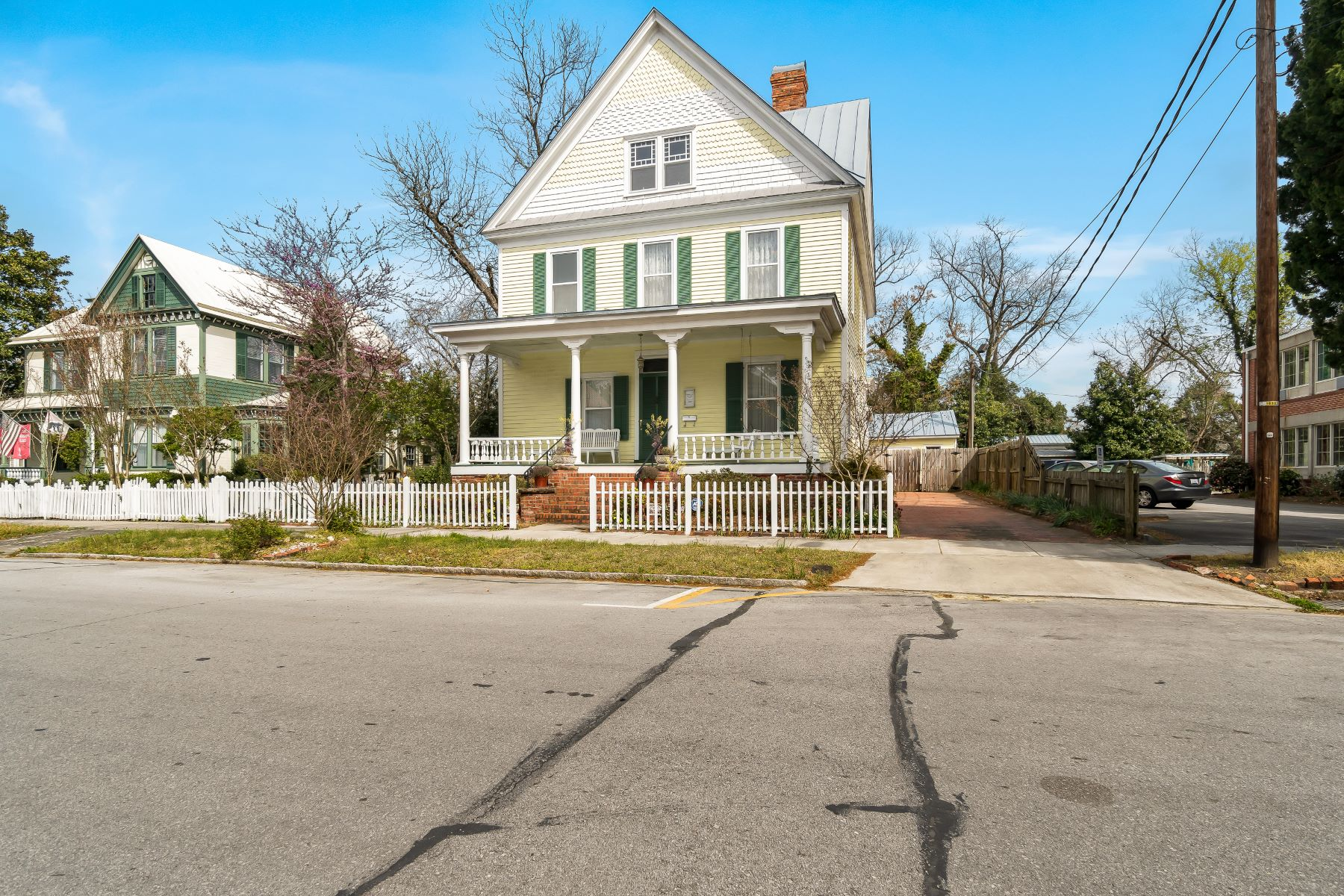 Single Family Home for Active at Impeccable Victorian Home in Historic District 512 Middle St. New Bern, North Carolina 28560 United States