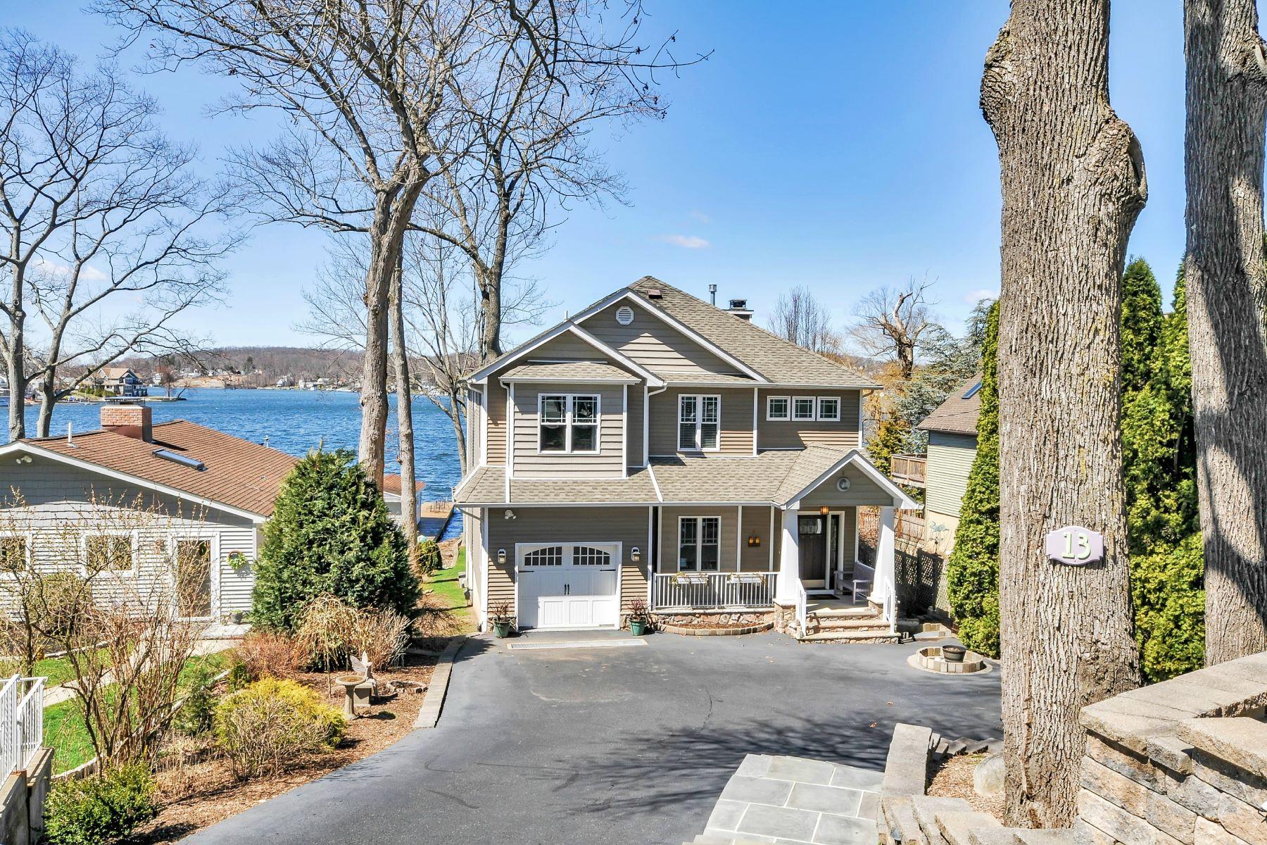 Частный односемейный дом для того Продажа на Amazing lakefront views and sunsets all year long. 13 Bertrand Island Road Mount Arlington, Нью-Джерси, 07856 Соединенные Штаты