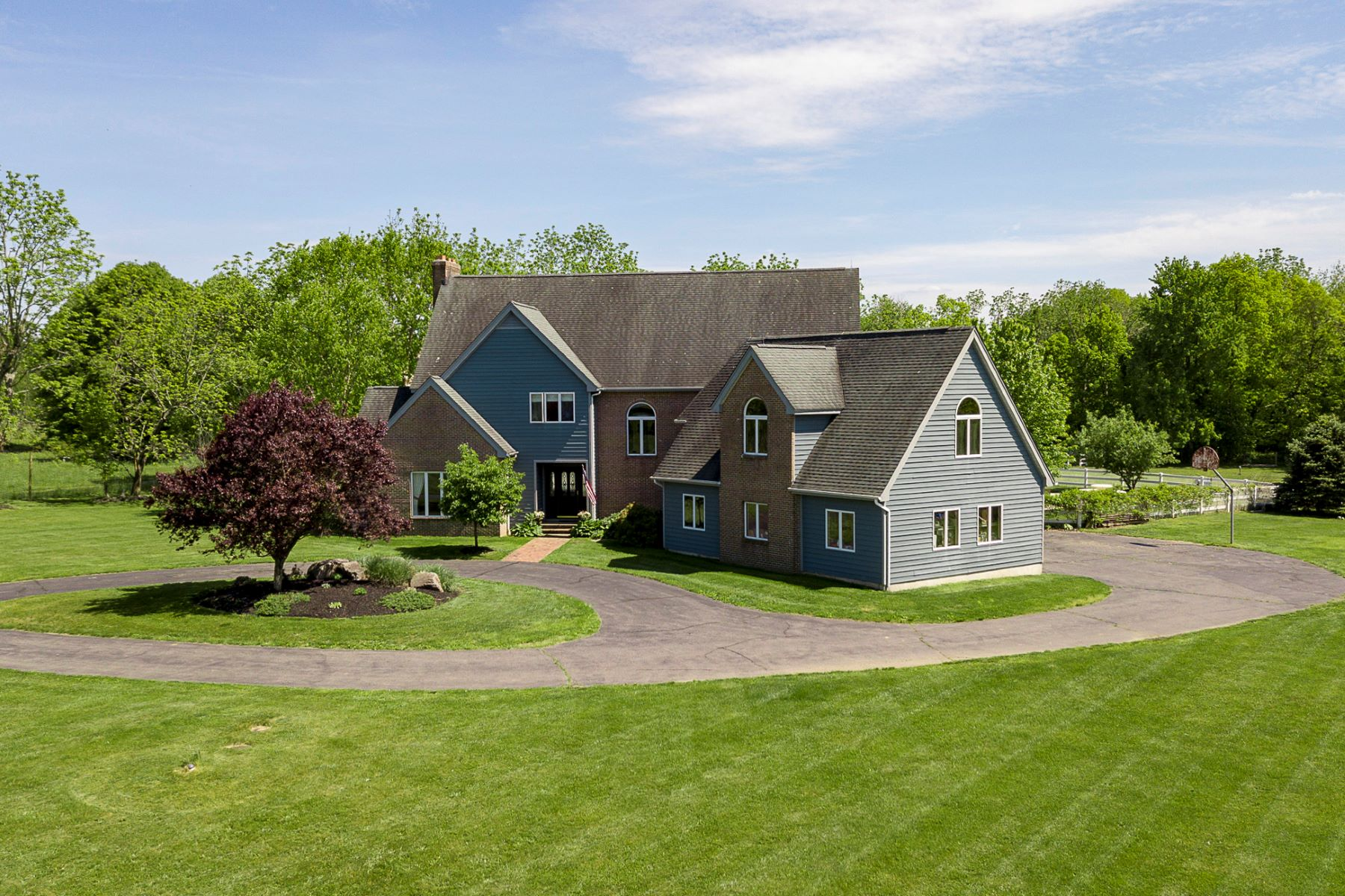 Single Family Homes für Verkauf beim Well-Designed and Solidly Built on 3+ Acres 17 Aqua Terrace, Hamilton, New Jersey 08620 Vereinigte Staaten