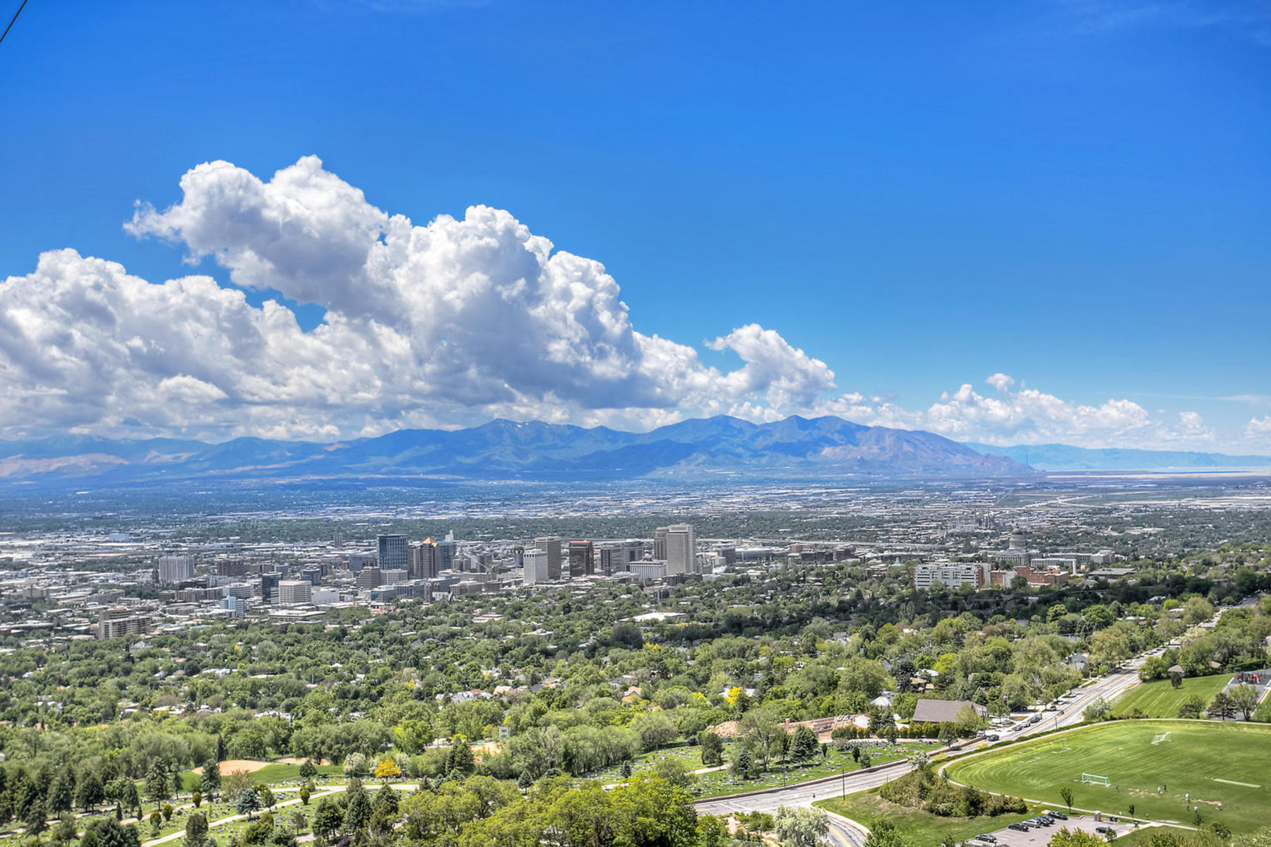 Additional photo for property listing at One of a Kind 661 N Saddle Hill Rd Salt Lake City, Utah 84103 United States