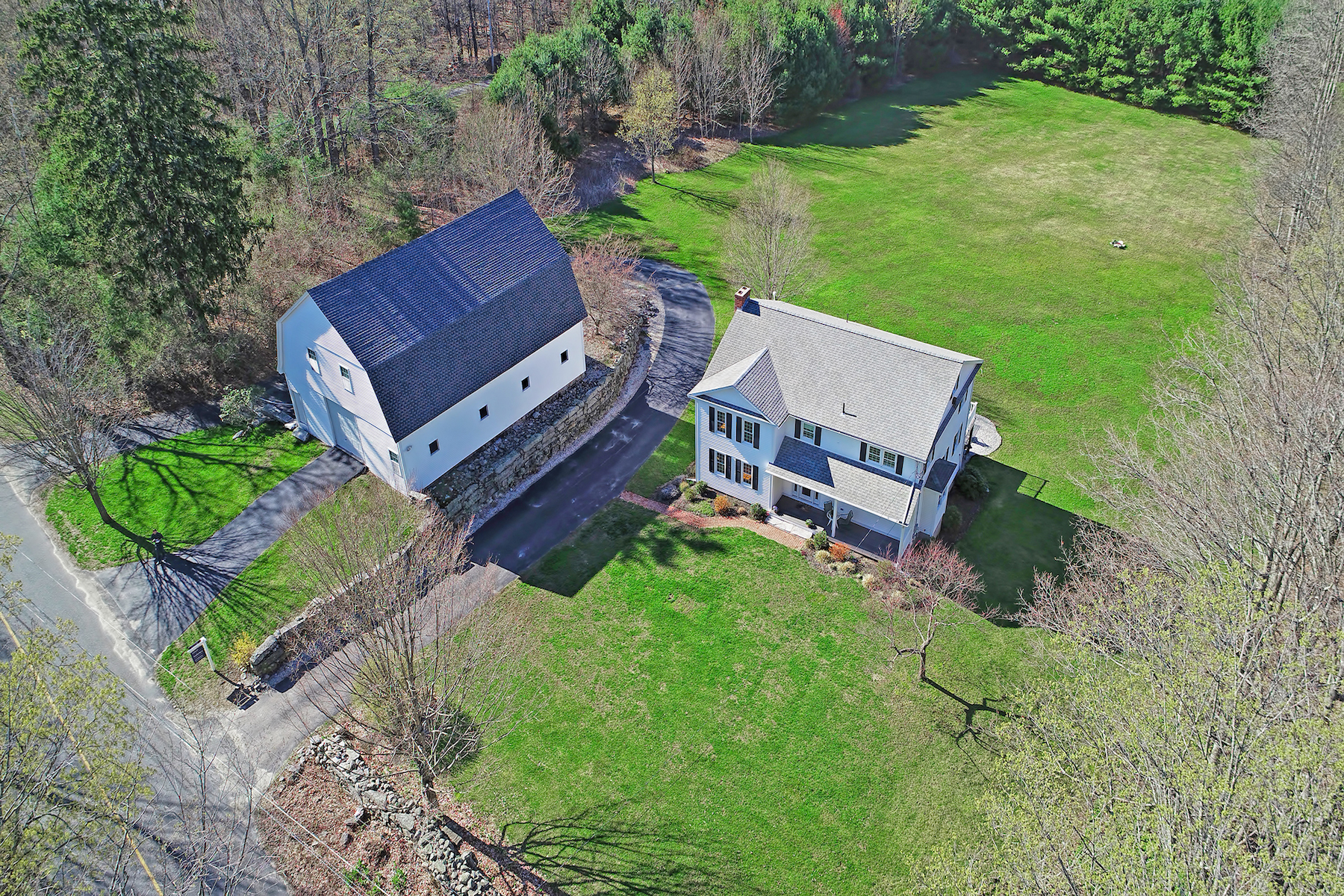 Single Family Homes for Sale at 47 AF Putnam Road 47 AF Putman Road Charlton, Massachusetts 01507 United States