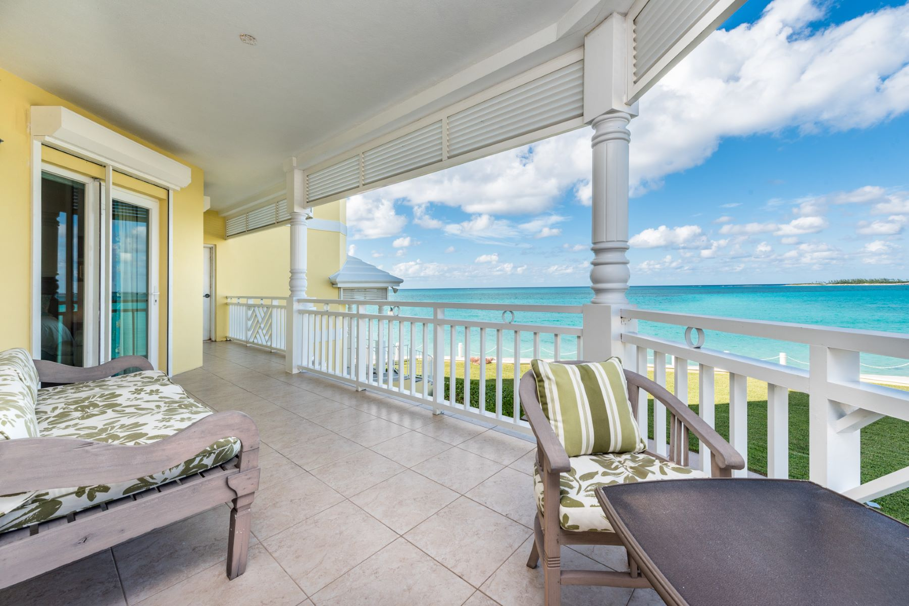 Additional photo for property listing at Oceanfront Residence in Bayroc Bayroc, Cable Beach, Nueva Providencia / Nassau Bahamas