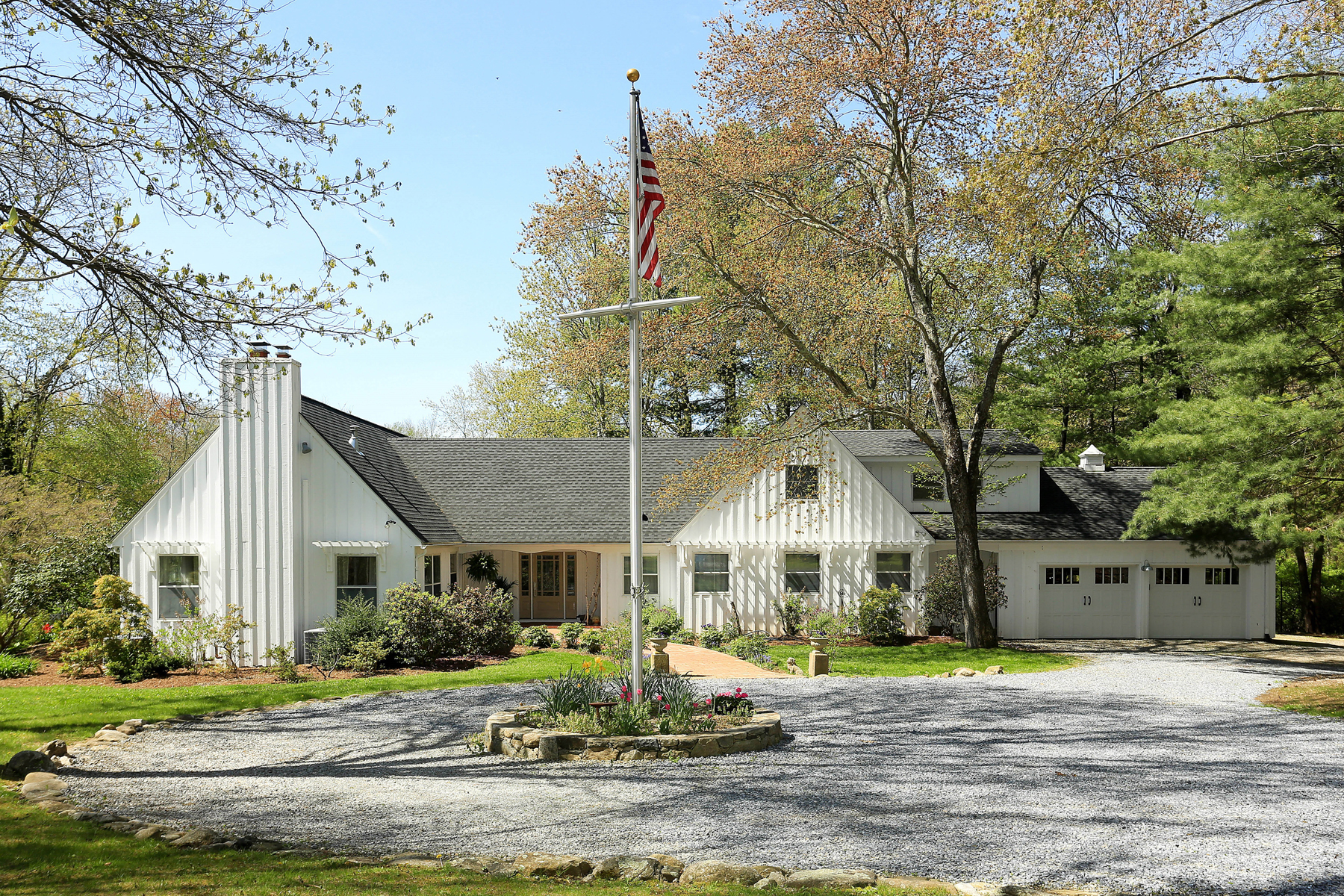 Single Family Home for Sale at Country Retreat 306 North Salem Road Waccabuc, New York 10597 United States