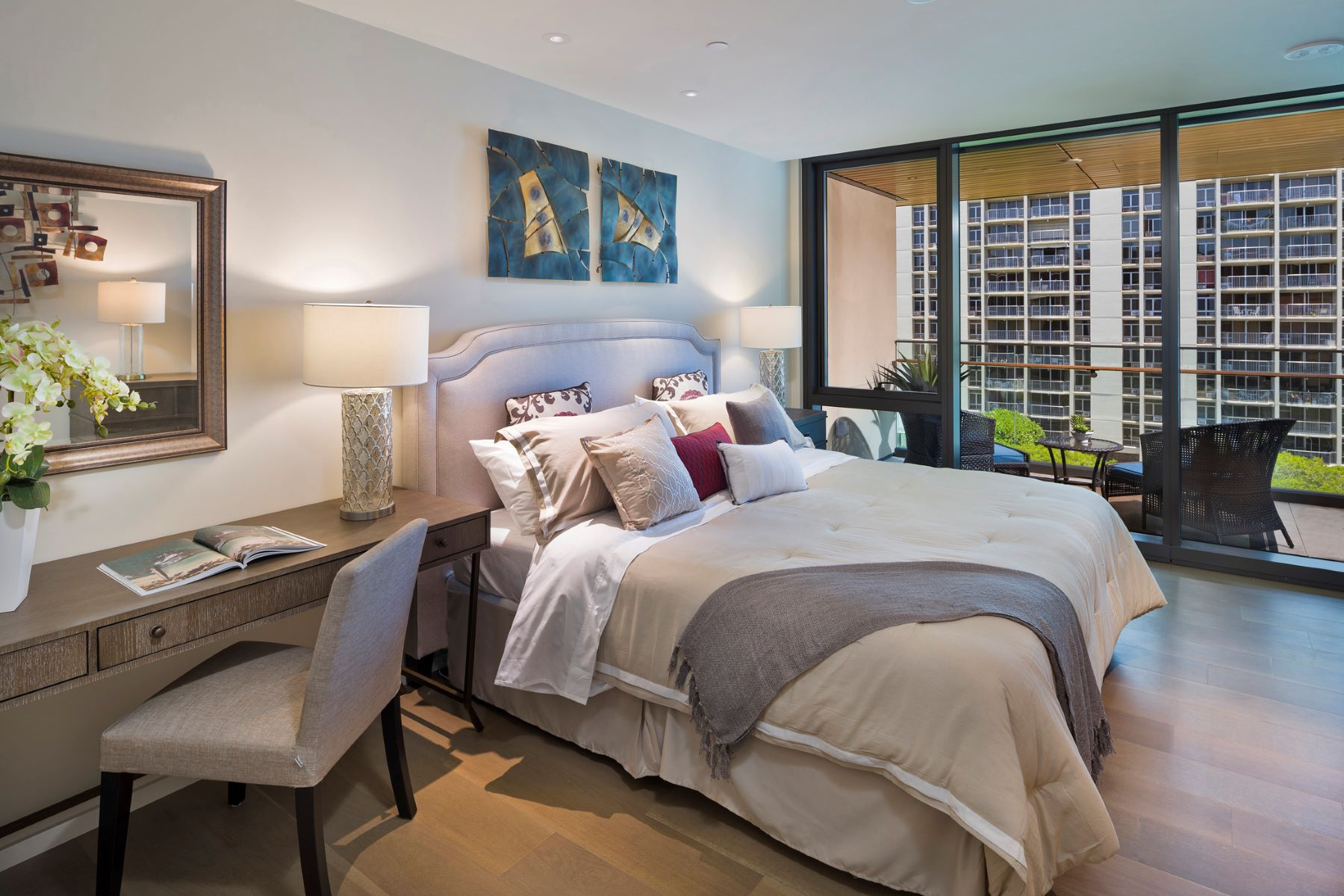 Additional photo for property listing at Opulent Ocean Views 1388 Ala Moana Blvd #1603 Honolulu, Hawaii 96814 United States