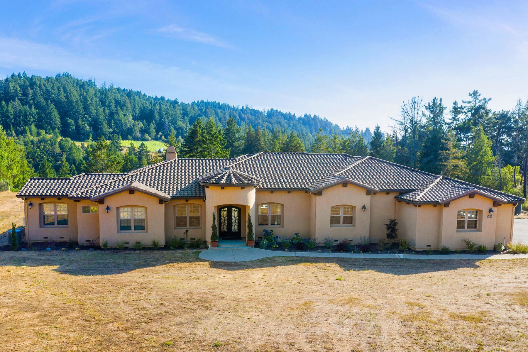 Single Family Homes for Active at Prime location, quality craftsmanship, 9 acres usable land, built in 2013 24455 Loma Prieta Avenue Los Gatos, California 95033 United States