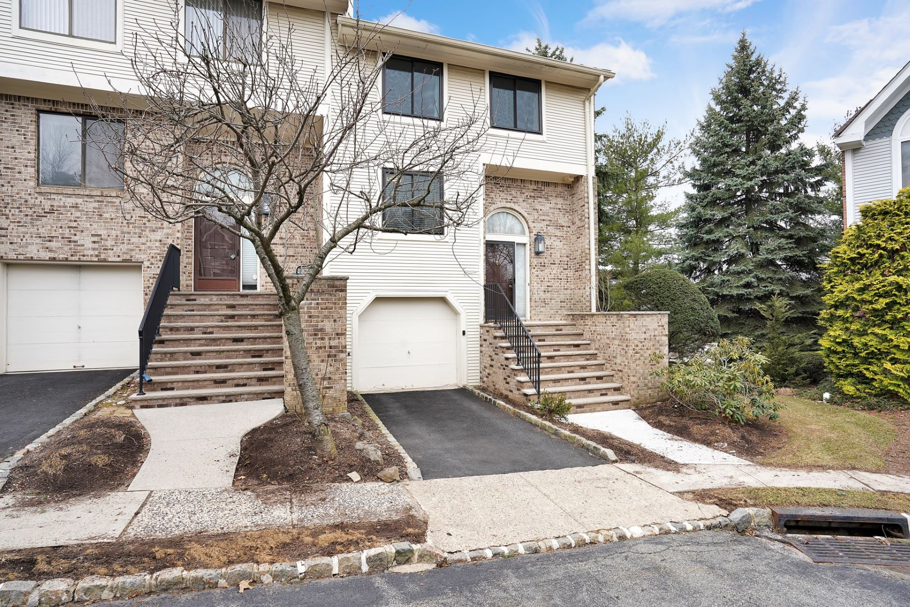 townhouses for Sale at Great location and beautiful corner unit townhouse 9 MT Vernon Square Verona, New Jersey 07044 United States