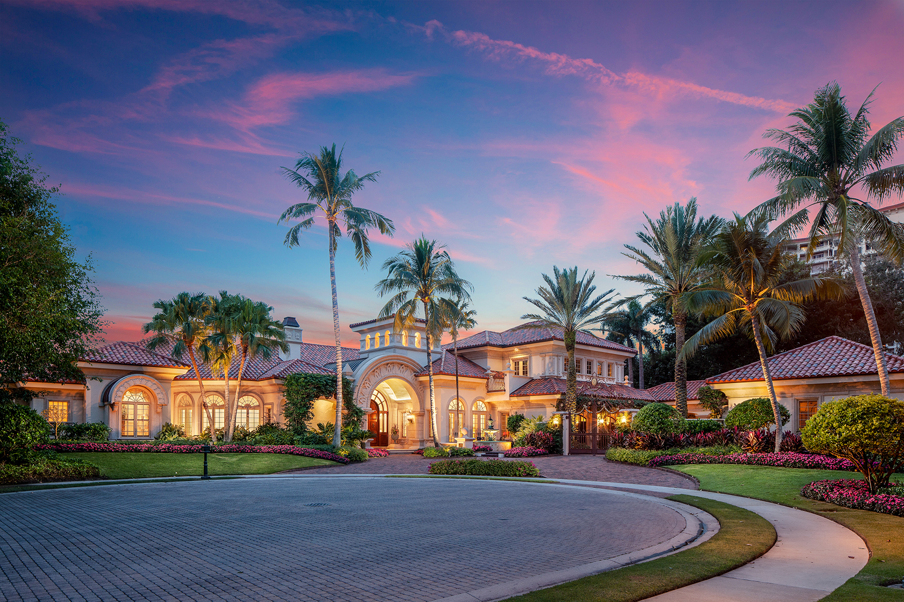 Single Family Homes for Sale at PELICAN BAY - BAY COLONY SHORES 7347 Tilden Lane Naples, Florida 34108 United States