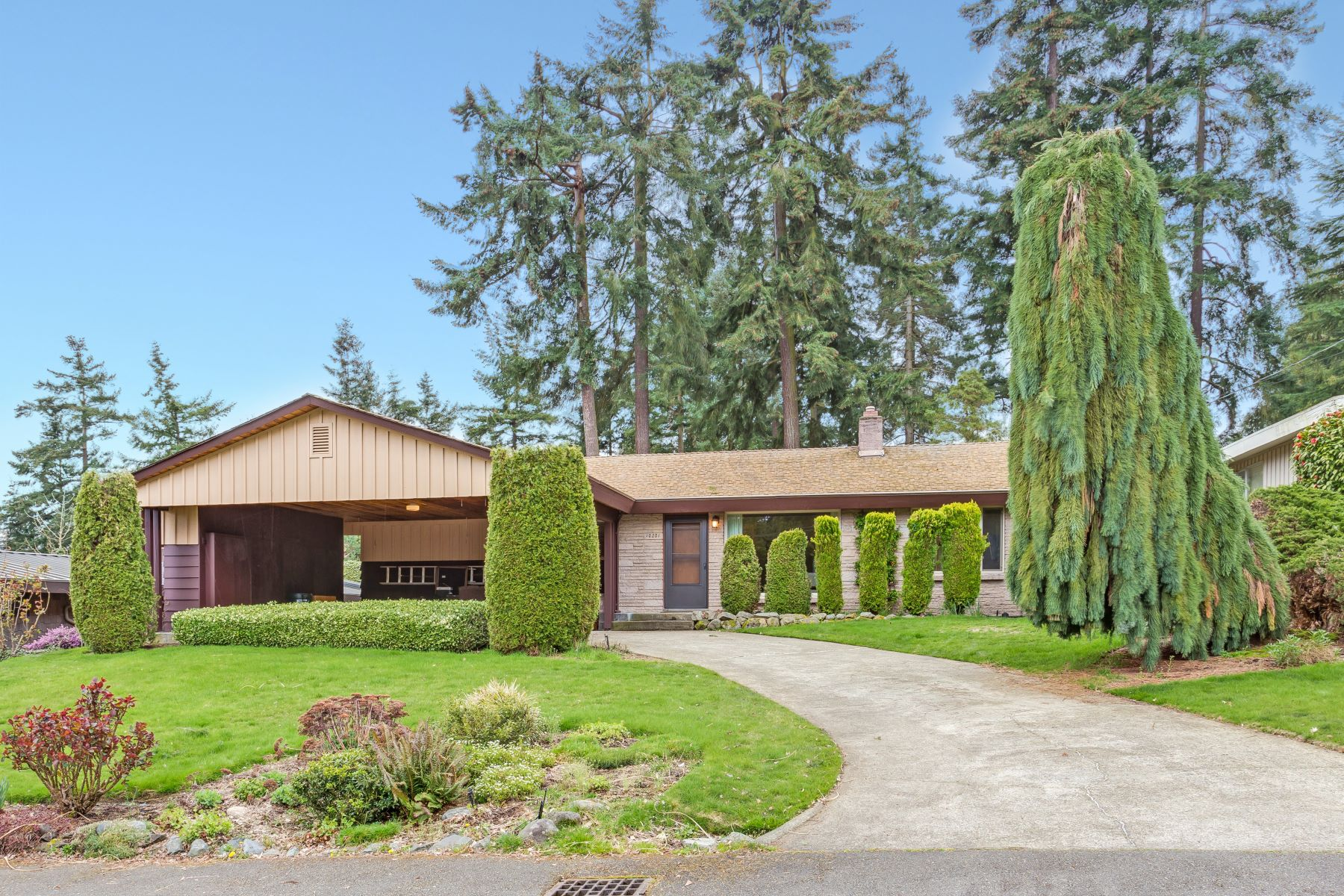 Single Family Home for Sale at Estate of Noretta Williams 10201 NE 23rd St Bellevue, Washington, 98004 United States
