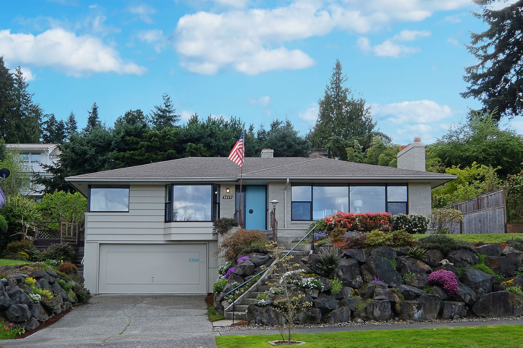 Single Family Home for Sale at Mid-Century Gem with Casade and Lake Views 5029 Harold Place NE Laurelhurst, Seattle, Washington, 98105 United States
