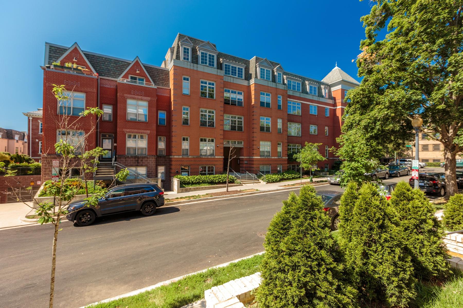 Condomínio para Venda às 150 V Street Nw V402, Washington Washington, Distrito De Columbia, 20001 Estados Unidos