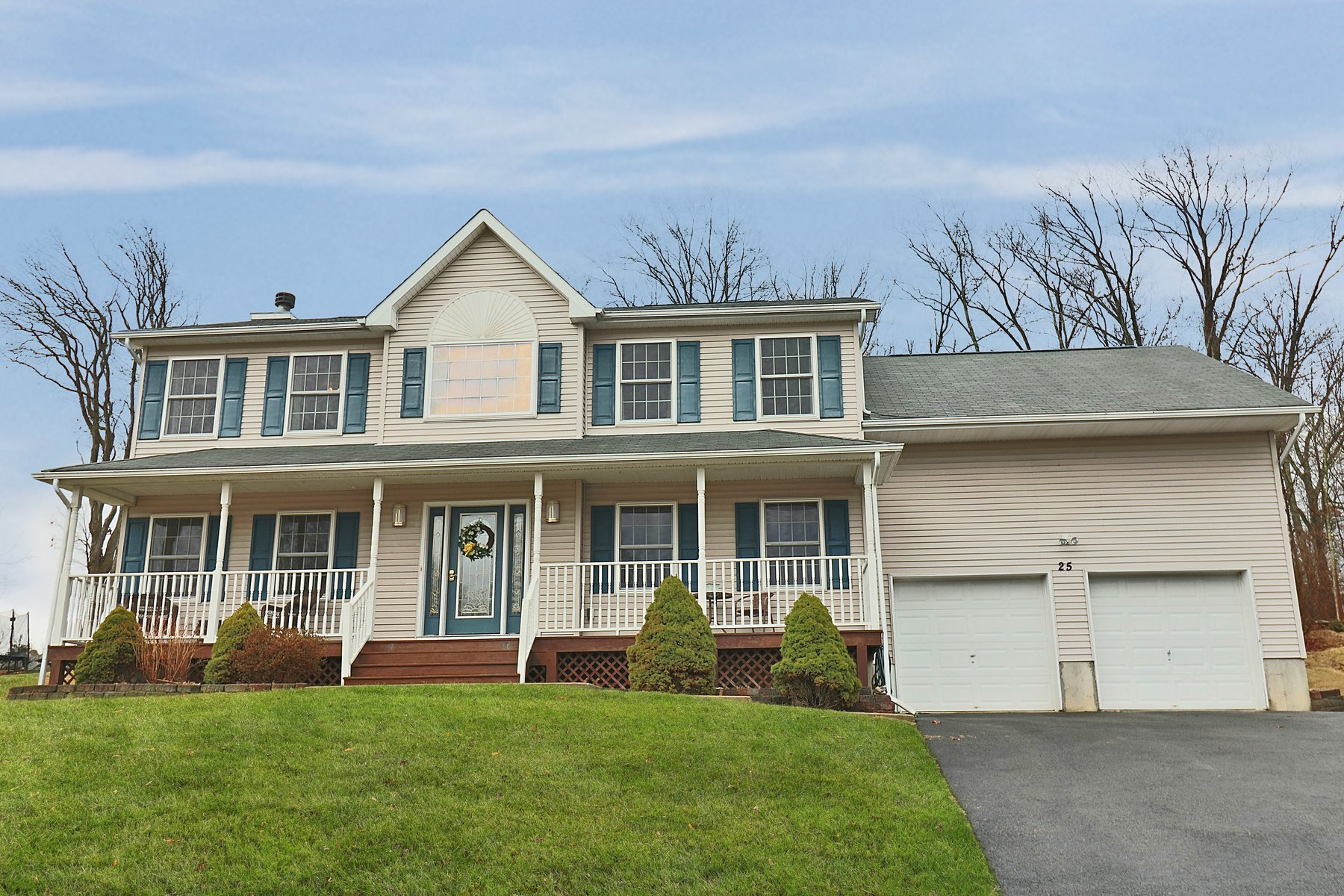 Single Family Home for Sale at Charming Colonial - Sale Pending 25 Old Hemlock Drive New Windsor, New York 12553 United States