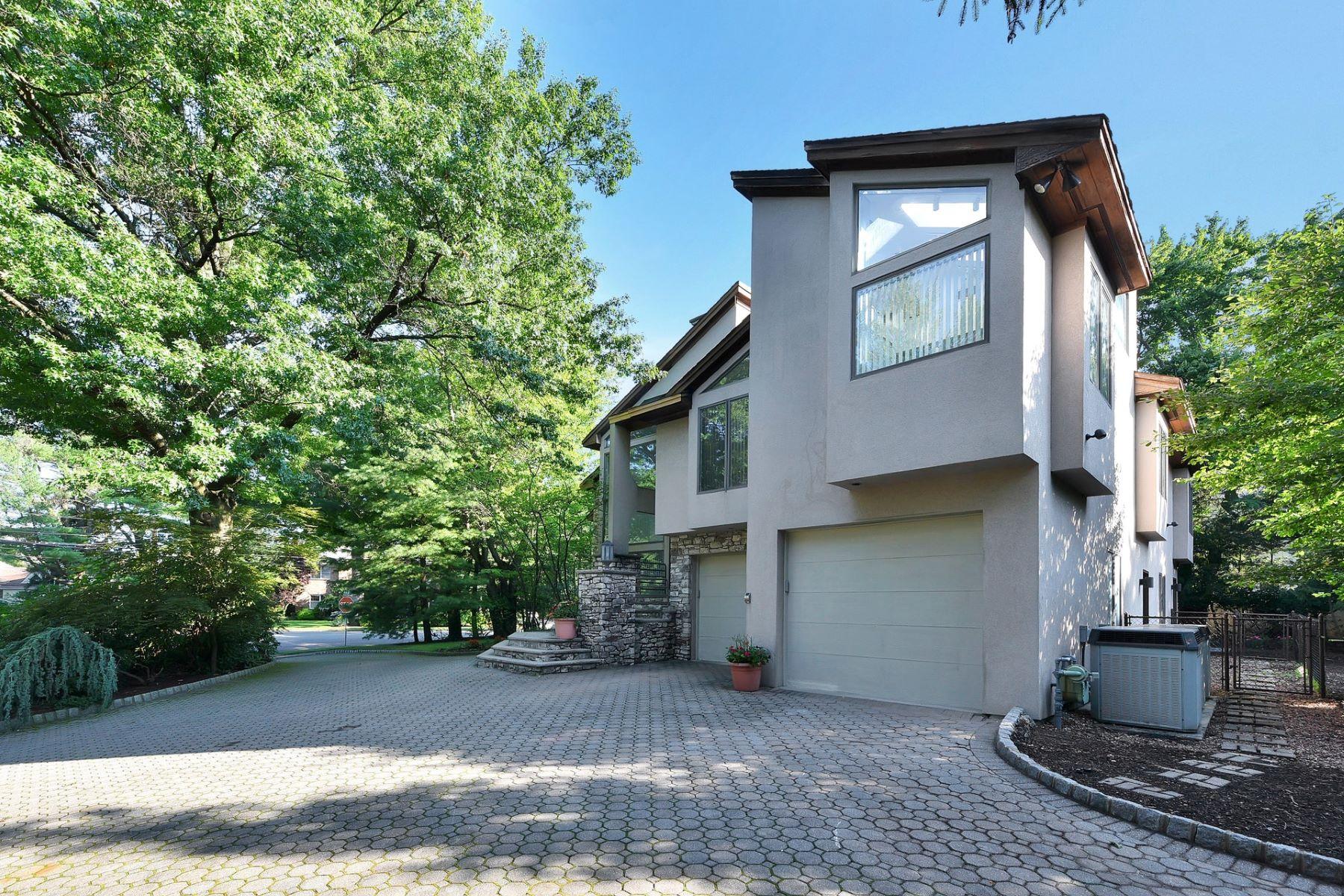 独户住宅 为 出租 在 Spacious Contemporary Rental 2 Wainwright Ave 克洛斯特, 新泽西州, 07624 美国