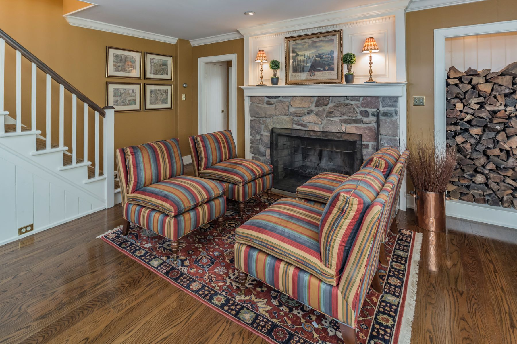 Additional photo for property listing at True Bucks County Flavor 114 Cedar Glen Drive, New Hope, Pennsylvania 18938 United States