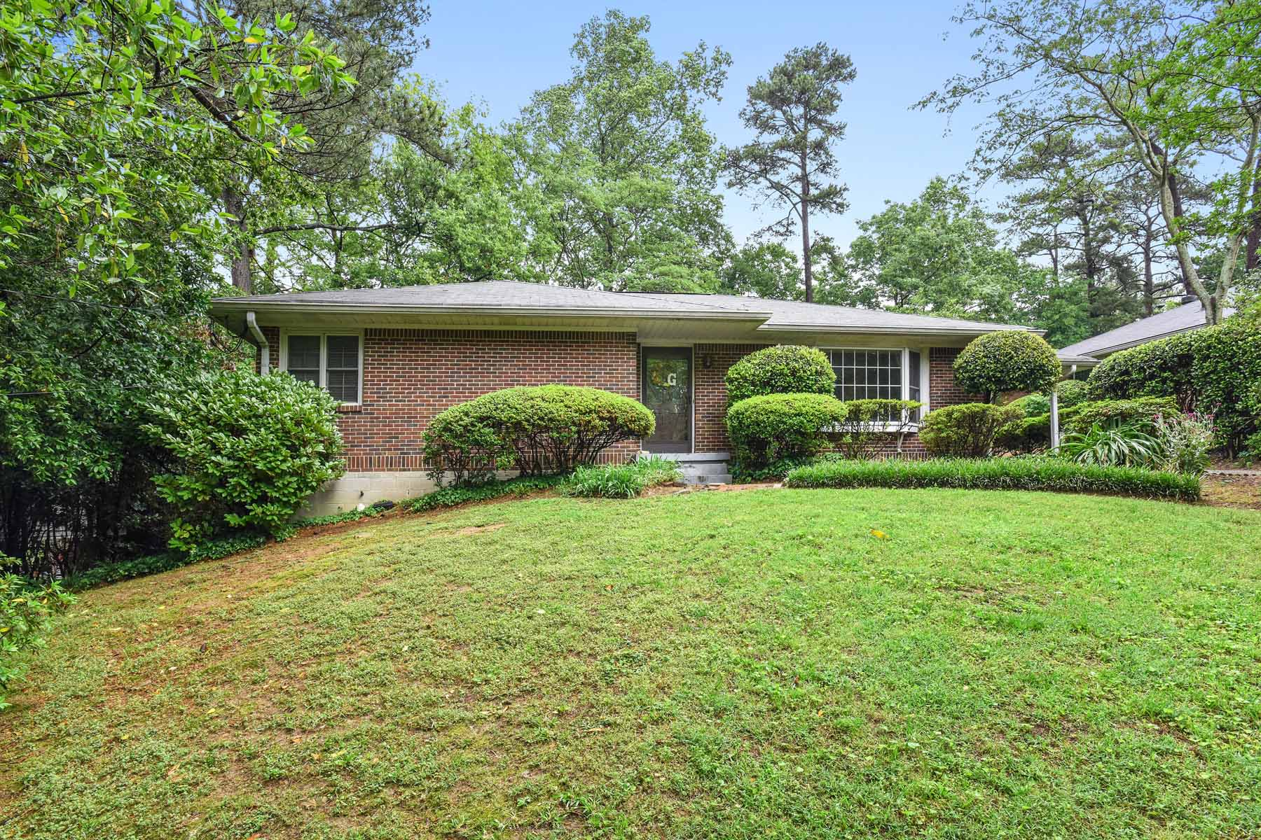 Single Family Home for Rent at WONDERFUL HOME ON A QUIET STREET JUST OFF BRIARCLIFF RD. 1232 Carol Lane NE Atlanta, Georgia 30306 United States
