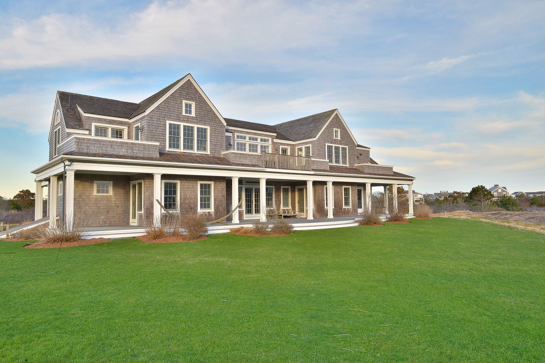 Vivienda unifamiliar por un Venta en Gorgeous in Cisco - Unobstructed Water Views 6 Saccacha Avenue Nantucket, Massachusetts, 02554 Estados Unidos