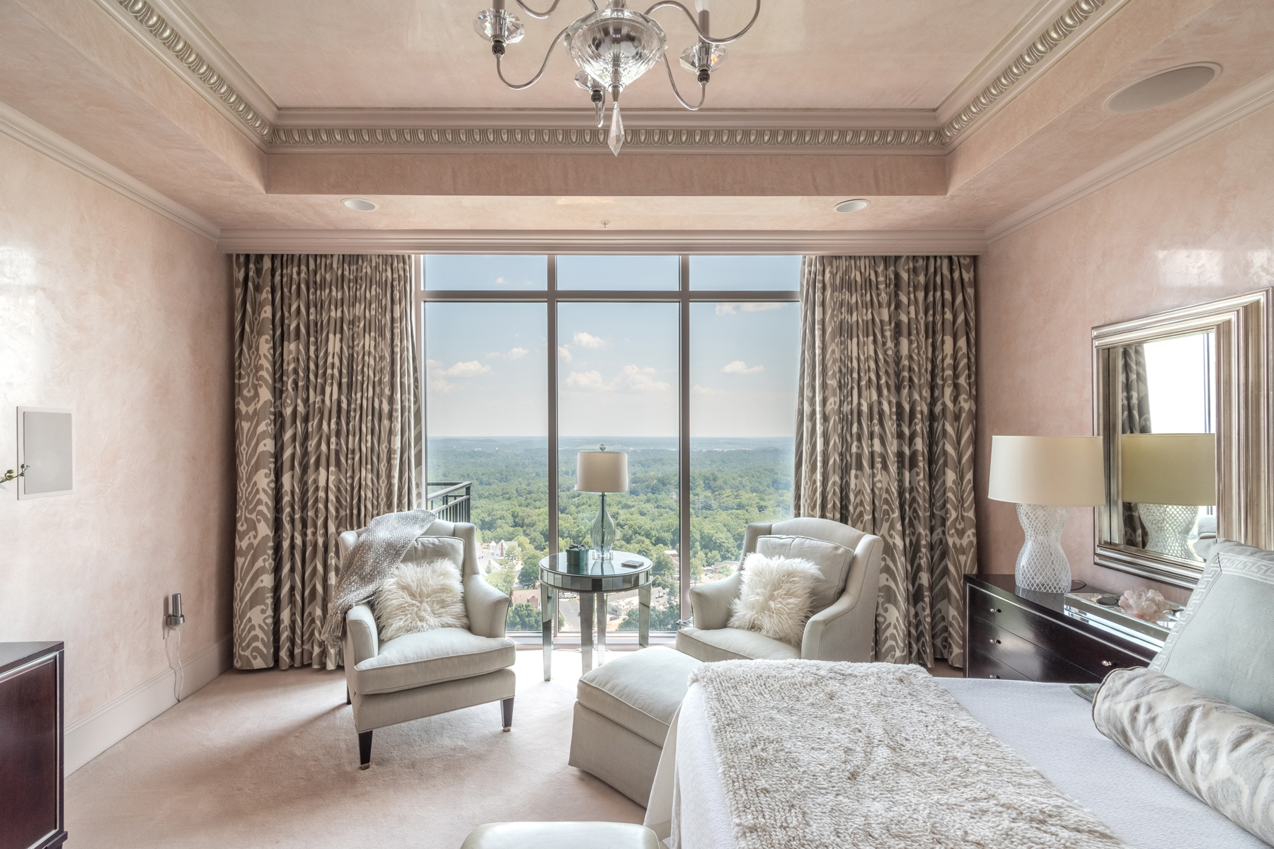 Additional photo for property listing at Welcome To The World Of Elegance! Presenting Atlanta's Most Majestic Penthouse! 2950 Mount Wilkinson Parkway SE Unit PH1109 Atlanta, Georgia 30339 United States