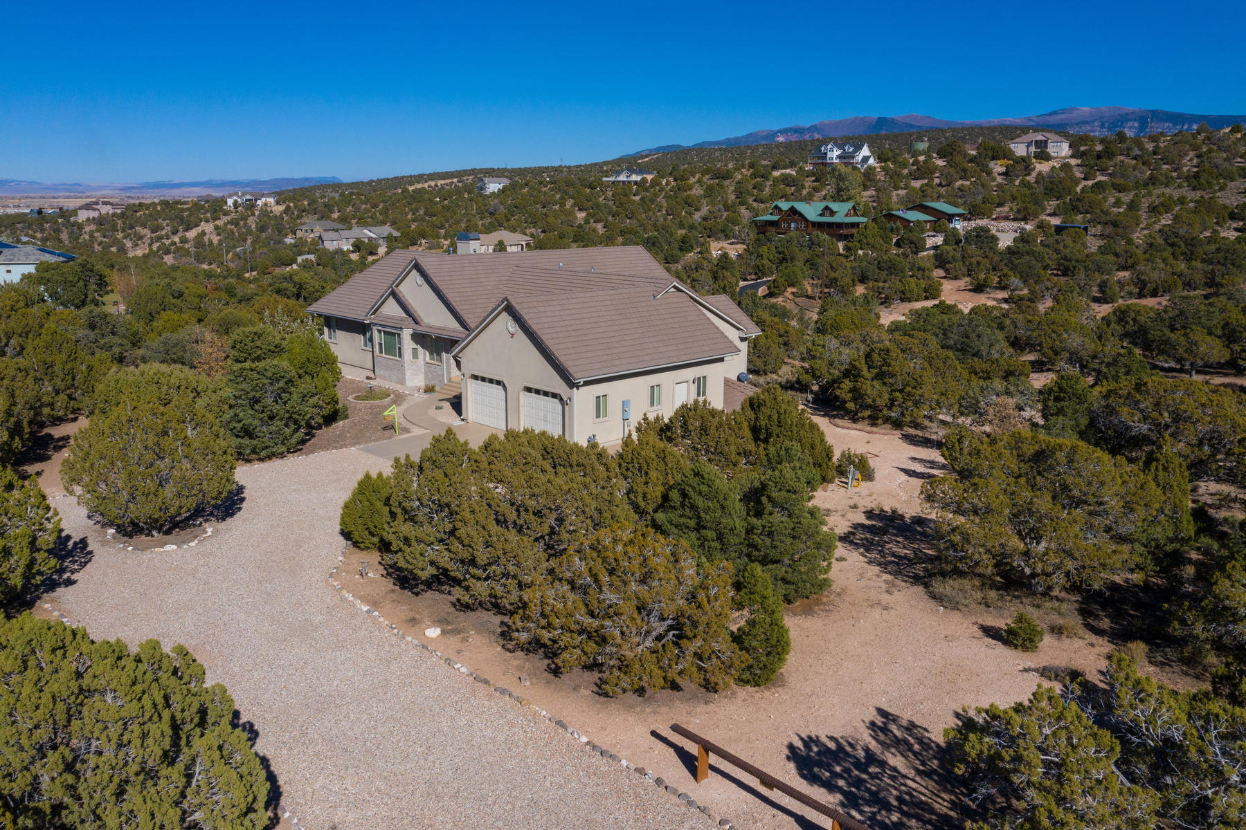 Single Family Homes 용 매매 에 Secluded Serenity 1309 S Panorama Drive Cedar City, 유타 84720 미국