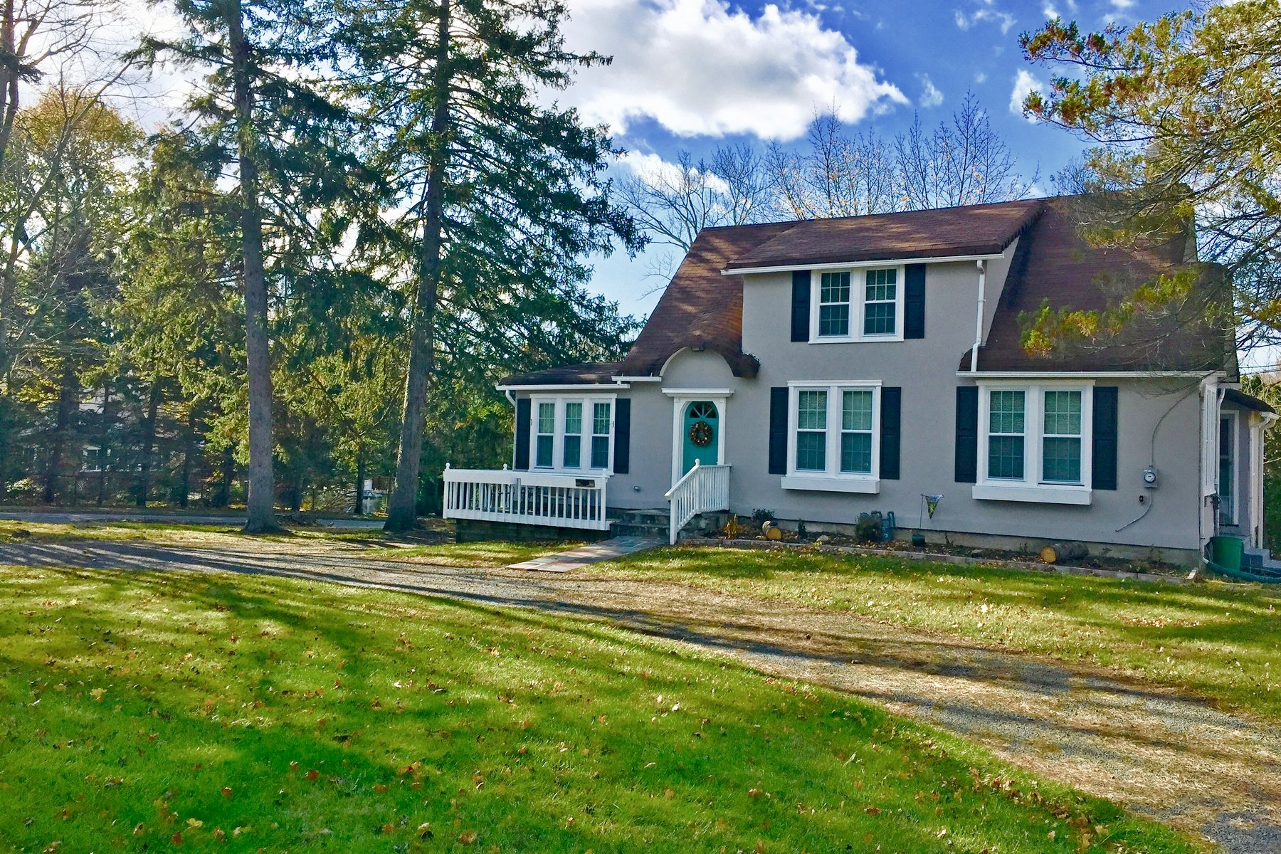 Single Family Home for Sale at Perfect Setting 192 Massachusetts Avenue, Congers, New York, 10920 United States