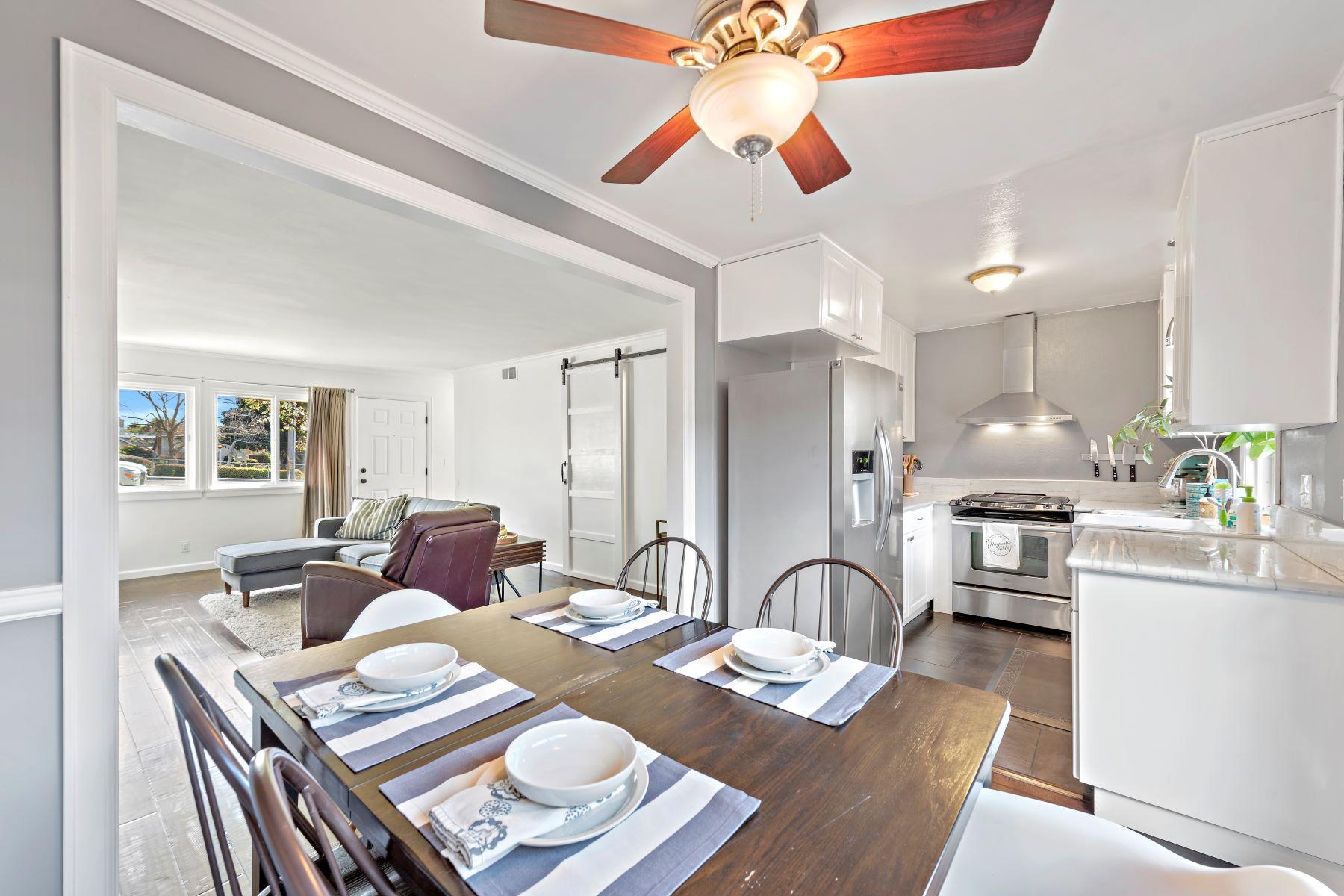 Condominiums for Sale at 17 Latitude Court Unit#13 17 Latitude Ct # 13 Newport Beach, California 92663 United States