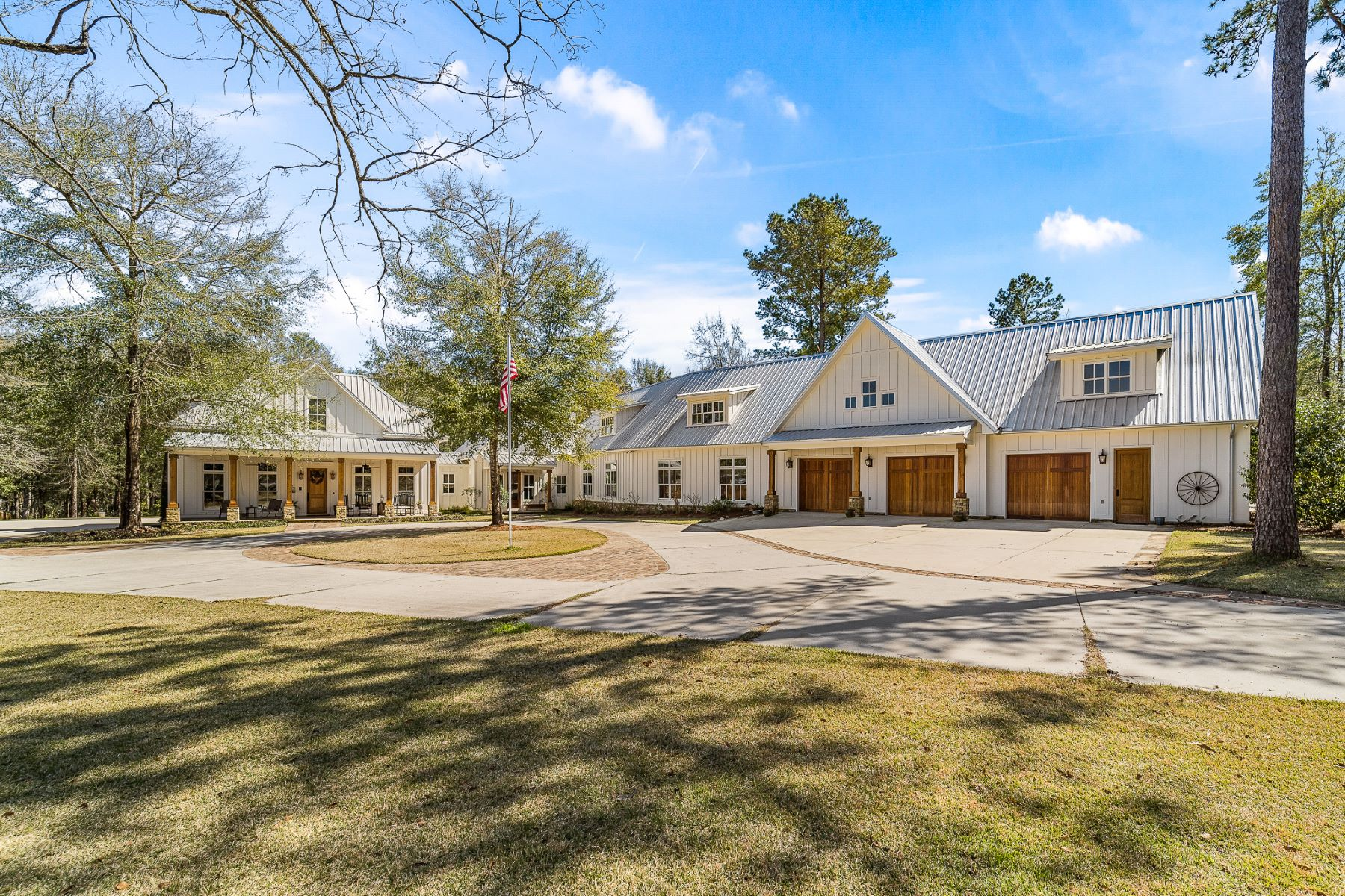 Single Family Homes للـ Sale في Amazing Southern Living home 10810 Redfern Road, Daphne, Alabama 36526 United States