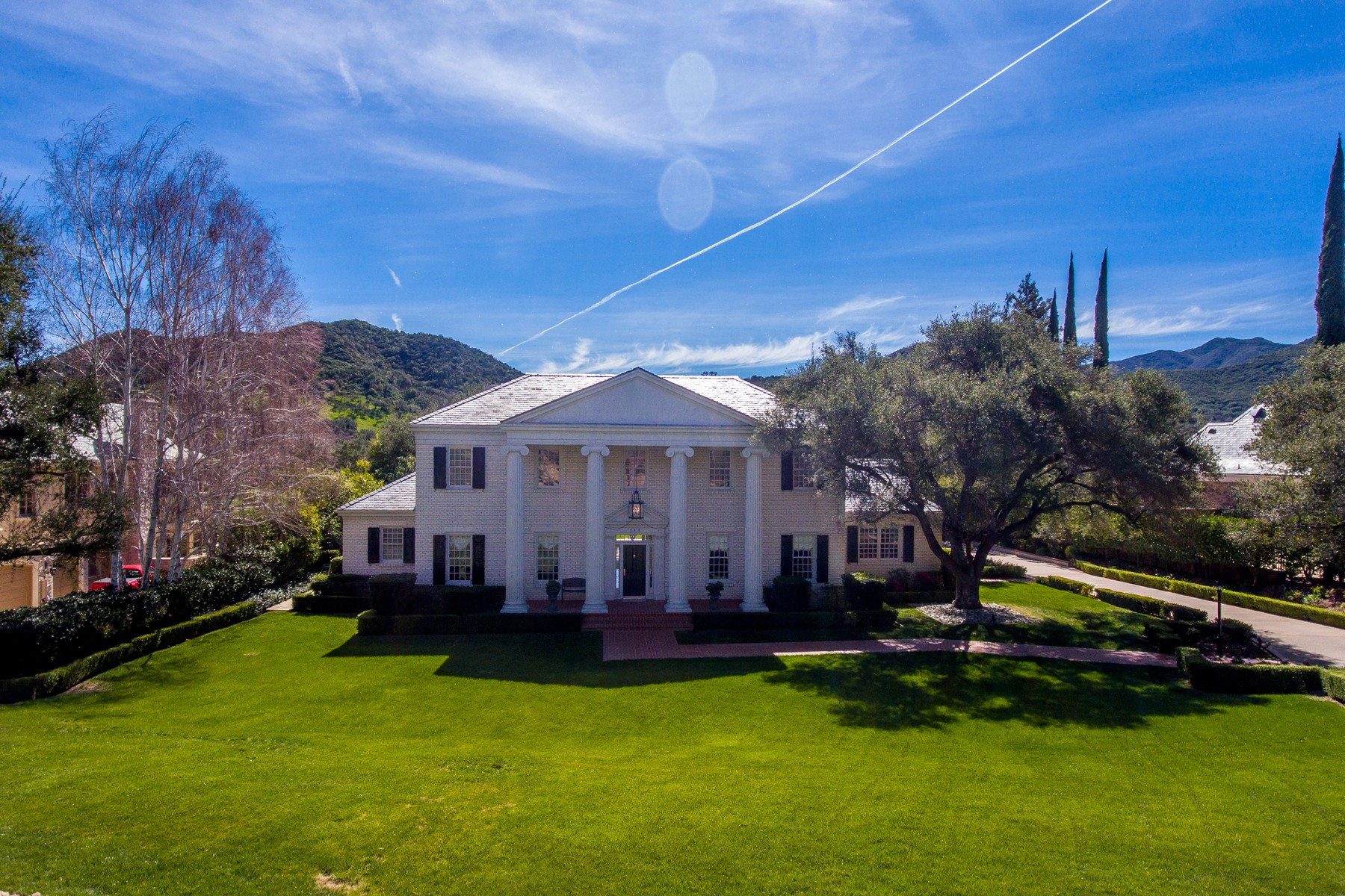Casa Unifamiliar por un Venta en 248 W Stafford Road Thousand Oaks, California, 91361 Estados Unidos