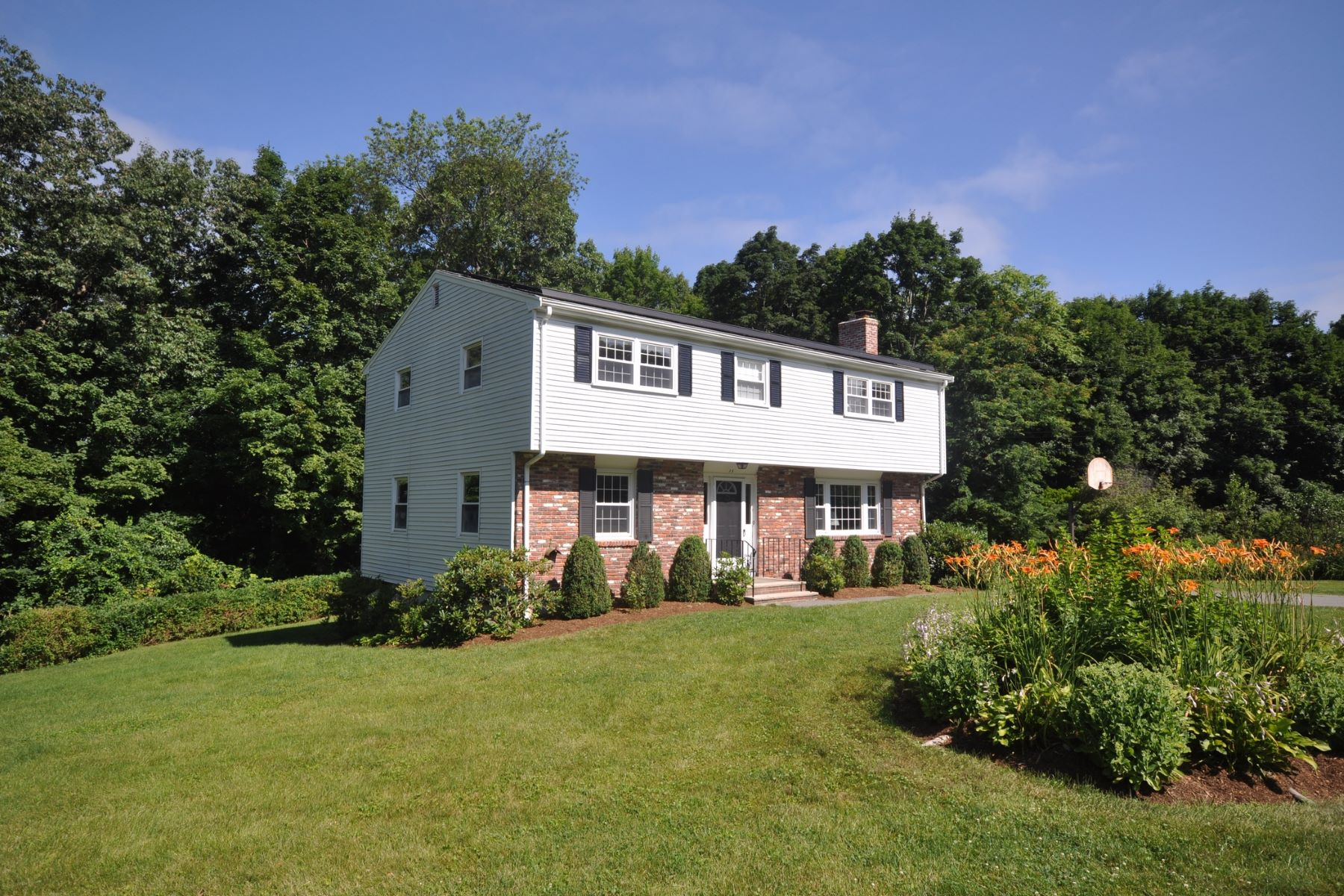 Single Family Homes for Sale at 13 Faulkner Hill Rd Acton, Massachusetts 01720 United States