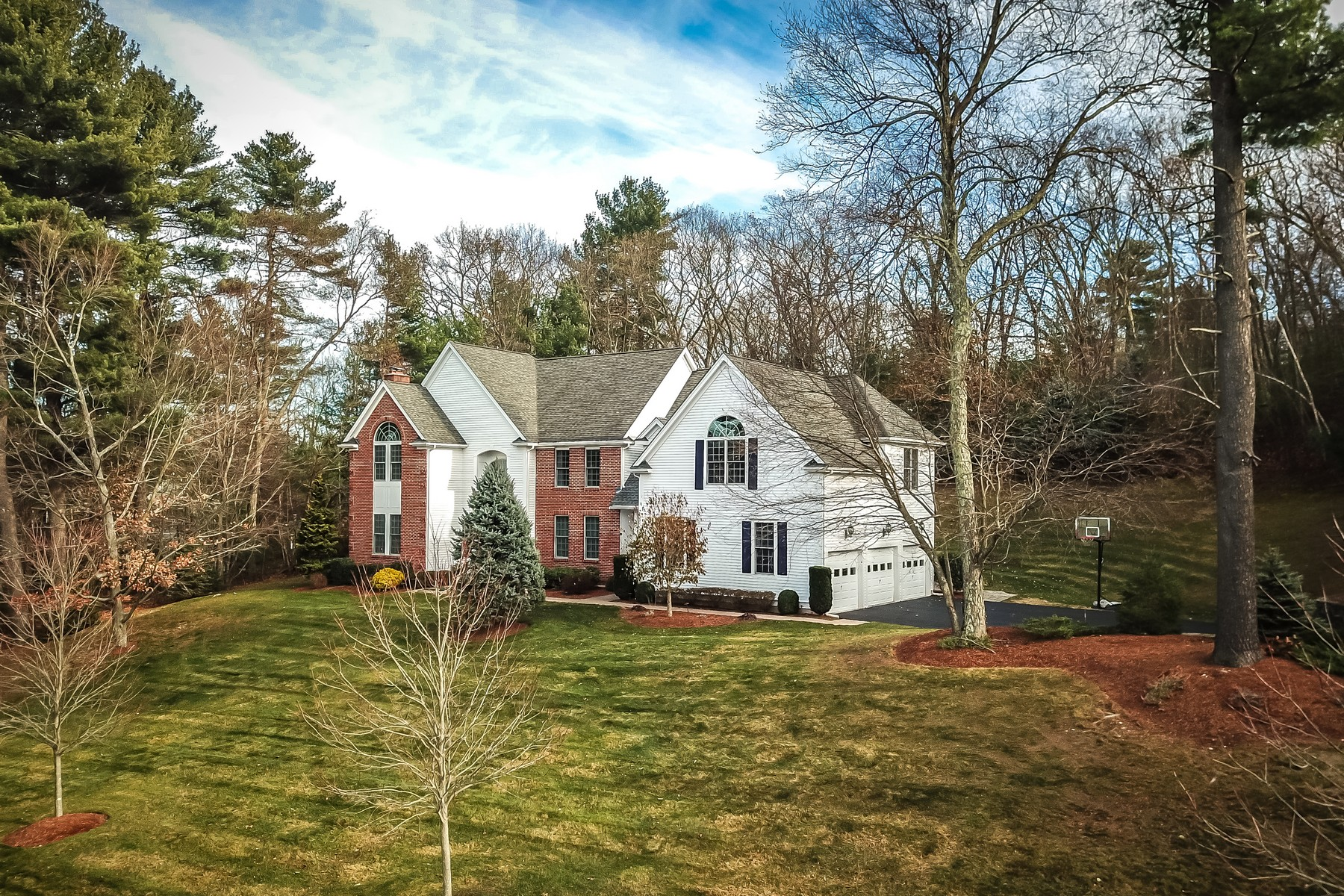 Single Family Homes for Active at Exquisite Colonial Home 12 Bertis Adams Way Westborough, Massachusetts 01581 United States