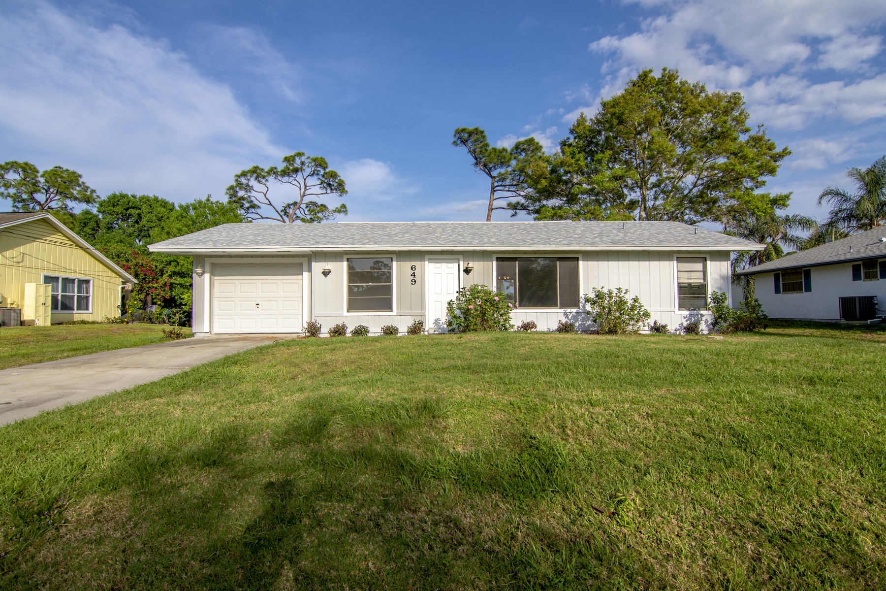 Newly Renovated Home in Sebastian Highlands with a BRAND NEW ROOF 649 Sembler St Sebastian, Floride 32958 États-Unis