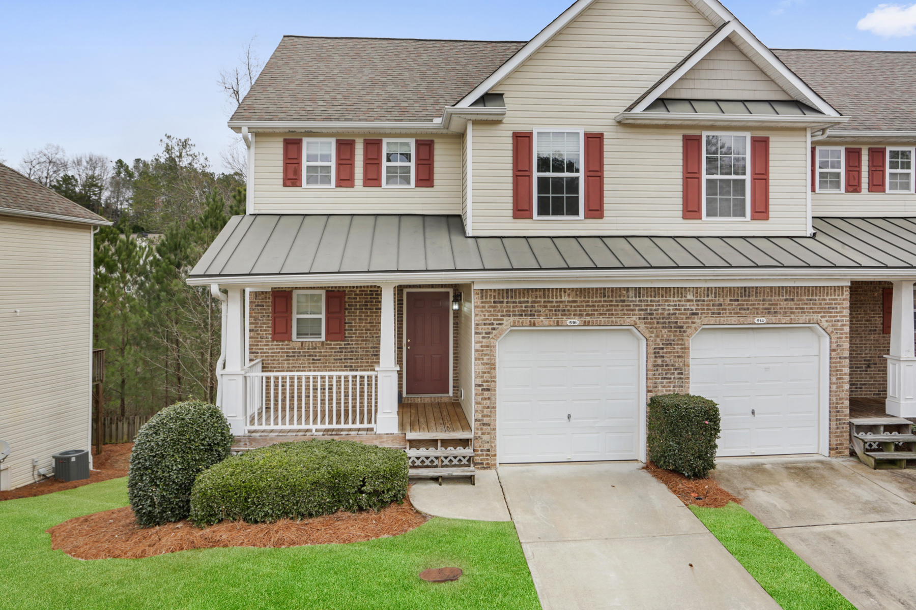 Townhouse for Sale at Beautiful Starter Townhome 516 Fox Creek Crossing Woodstock, Georgia 30188 United States