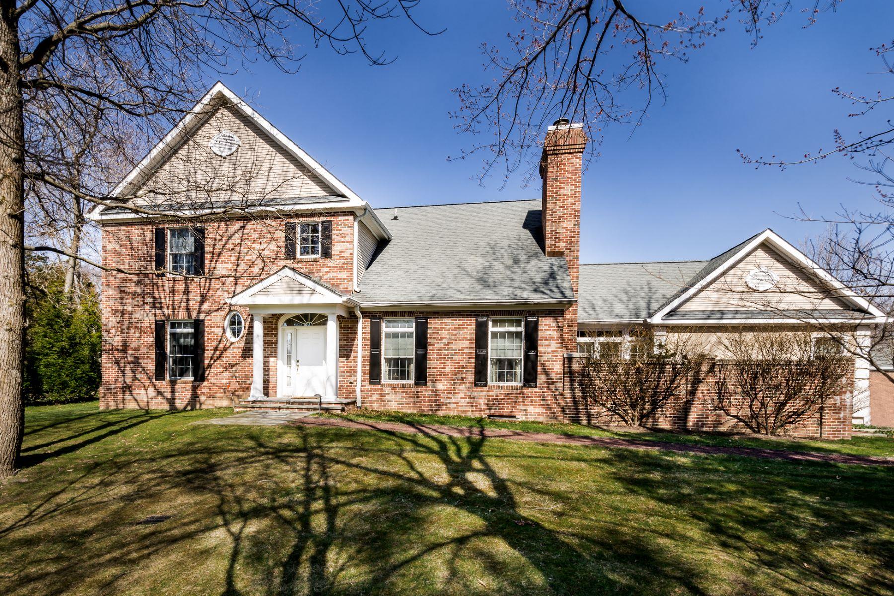 Maison unifamiliale pour l Vente à Calm Graciousness in Governors Lane 15 Governors Lane Princeton, New Jersey, 08540 États-Unis