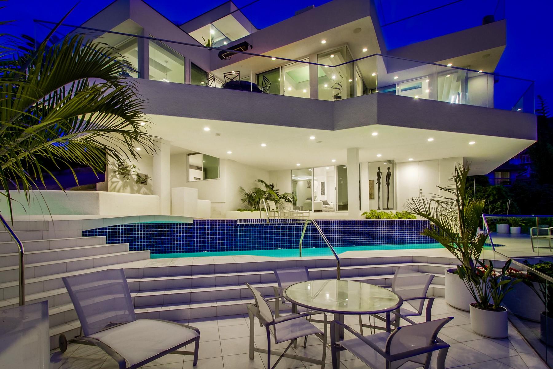 Casa Unifamiliar por un Venta en 7651 Hillside La Jolla, California, 92037 Estados Unidos