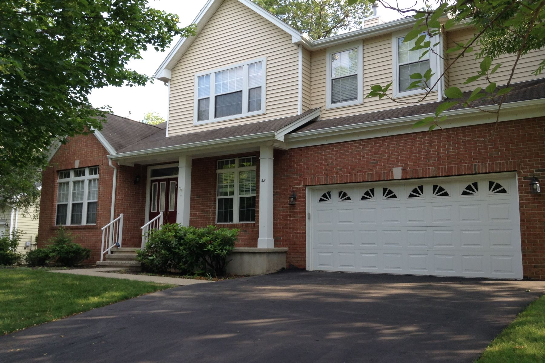 Single Family Home for Rent at Bright, Sunny Carlisle 8 Model 48 Landau Road Basking Ridge, New Jersey 07920 United States