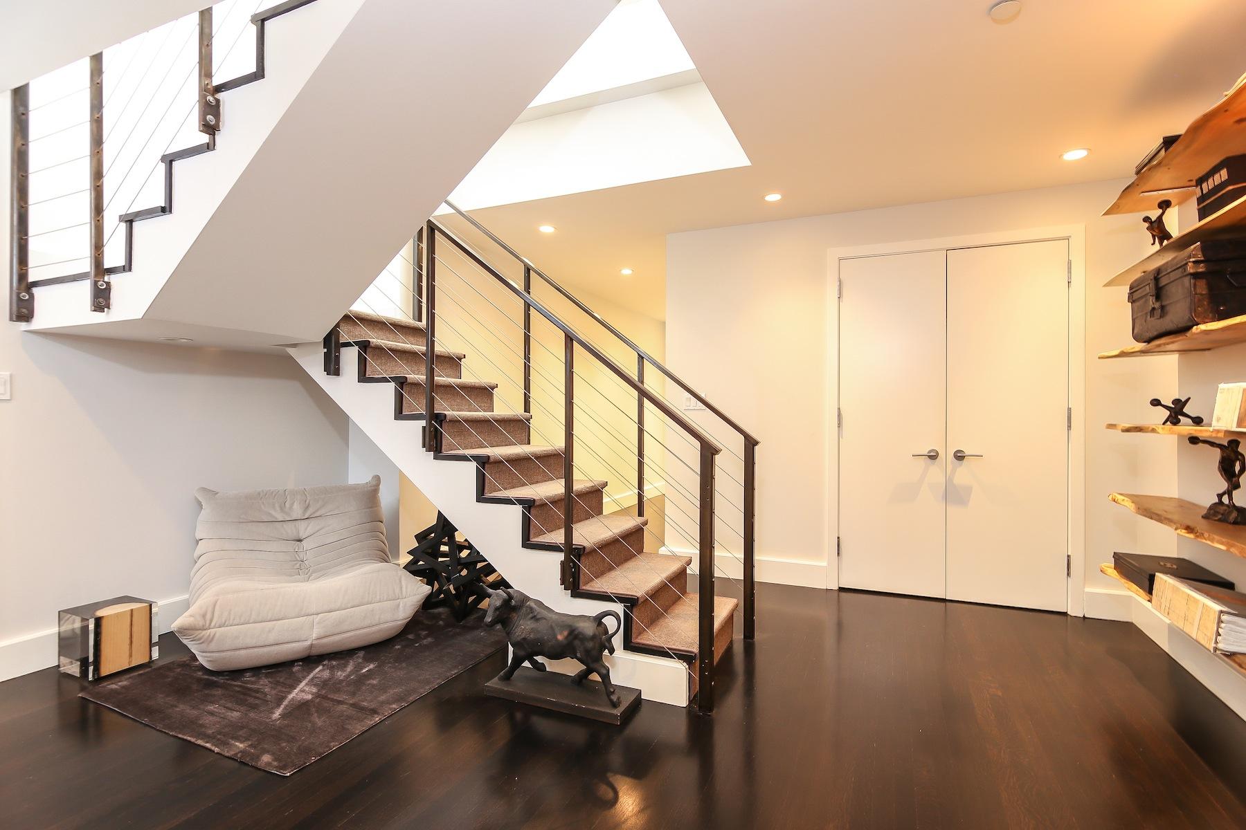 Additional photo for property listing at One Brooklyn Bridge 360 Furman Street Brooklyn, New York 11201 United States