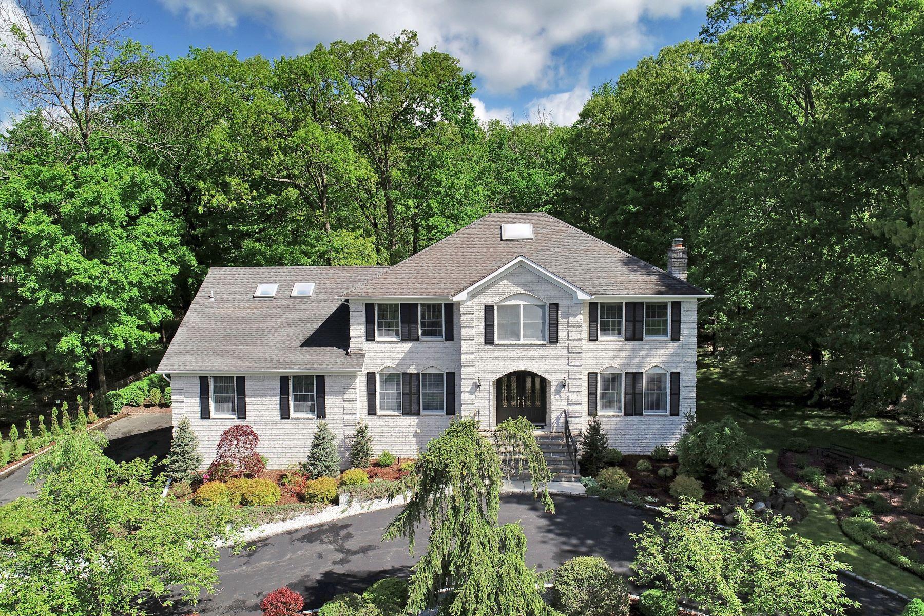 Single Family Homes для того Продажа на Outstanding Grand Colonial 10 Garrity Terrace, Pine Brook, Нью-Джерси 07058 Соединенные Штаты