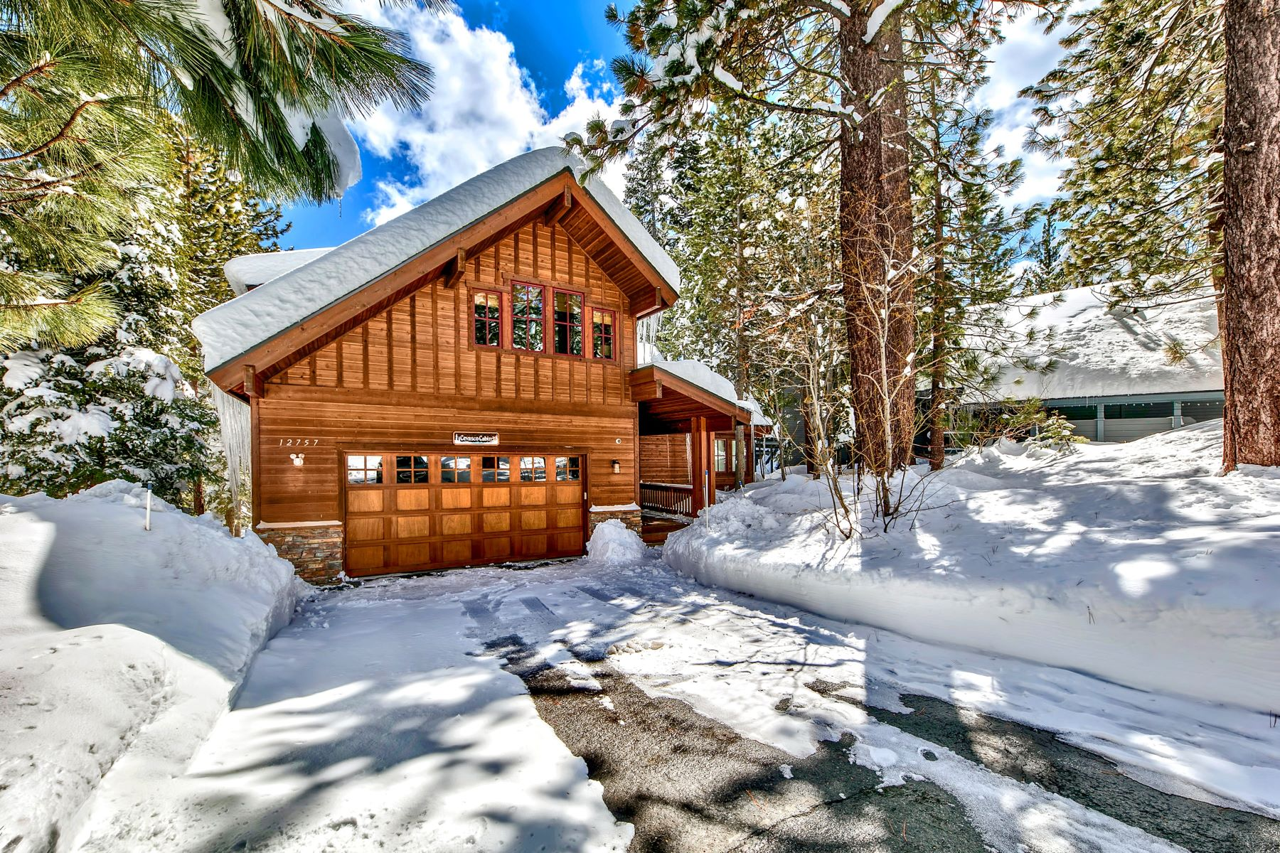 Single Family Homes for Active at Like New Mountain-Modern 12757 Peregrine Dr Truckee, California 96161 United States