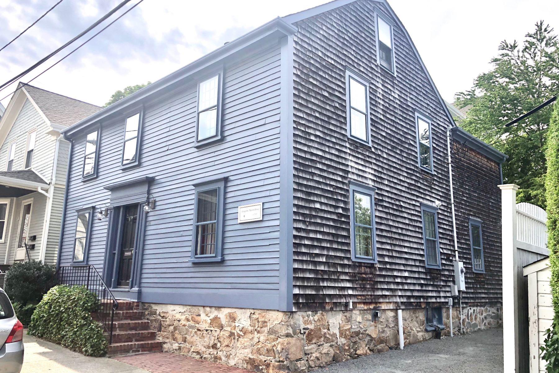 Single Family Homes 为 销售 在 'Benjamin Mason House' 25 Brewer Street 纽波特, 罗得岛 02840 美国